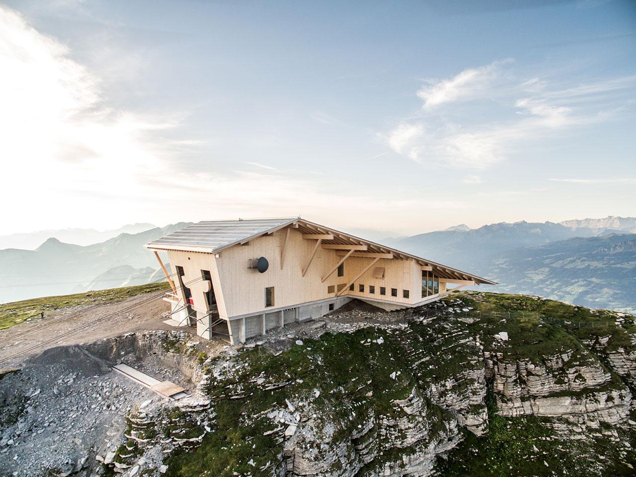 Peak Hour Gipfelrestaurant On Mount Chserrugg By Herzog