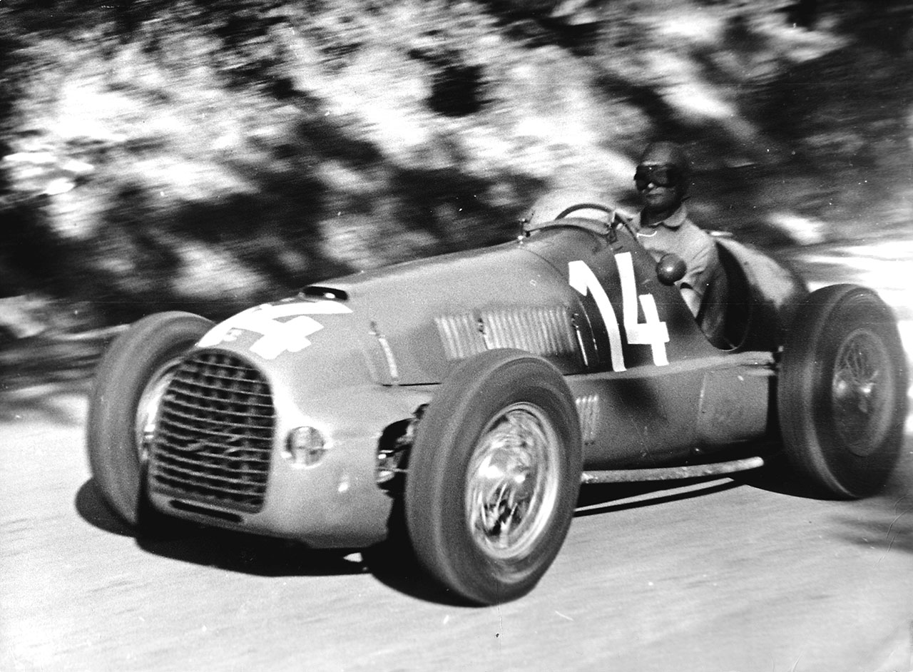 Peter Whitehead in action with the Ferrari 125 F1 The pilot will win the GP of Czechoslovakia in Brno 1949. Photo courtesy of Ferrari.