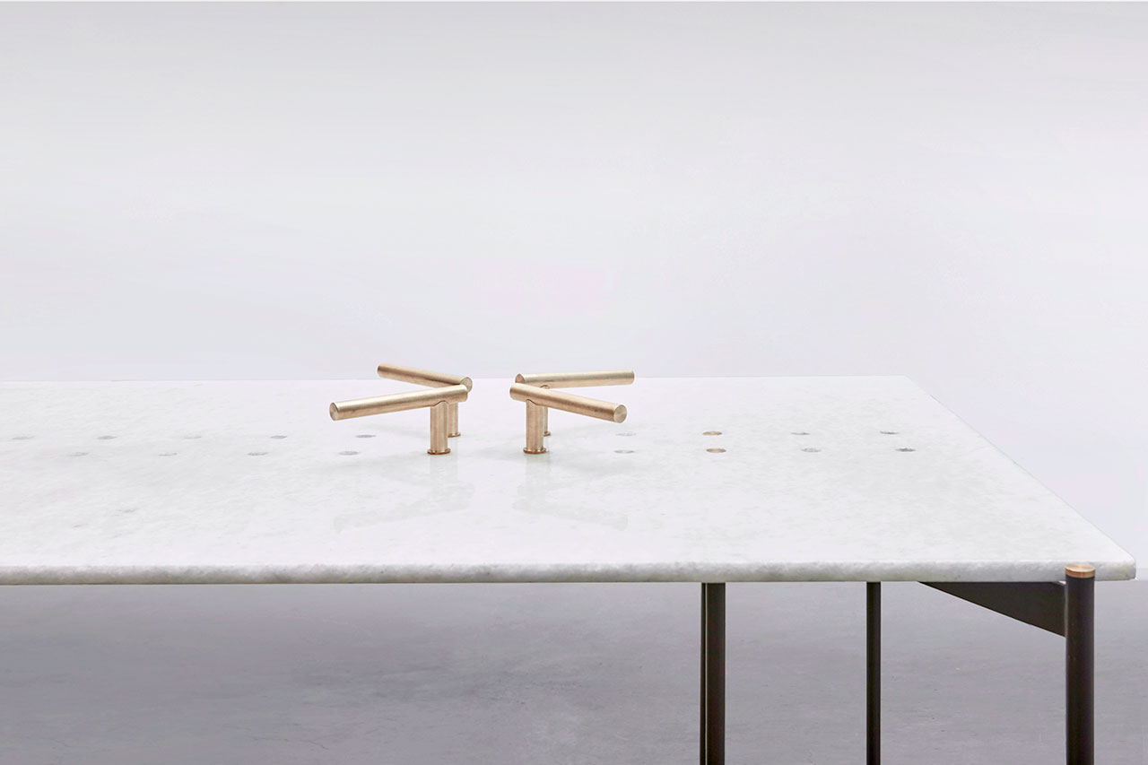 Dastā (Handle) dining table. Photo by Sameer Belvalkar.