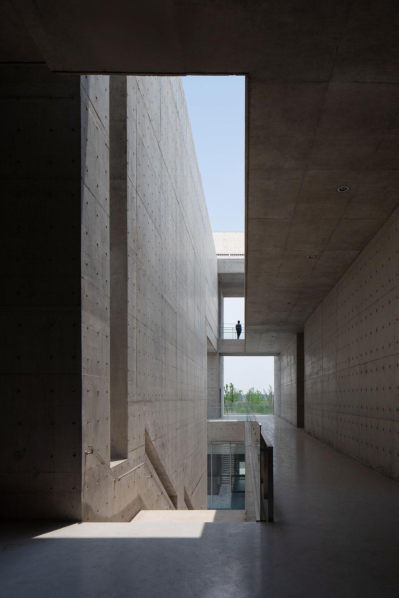 Shou County Culture and Art Center by Studio Zhu-Pei. Photography by Schran Images, courtesy of Studio Zhu-Pei.