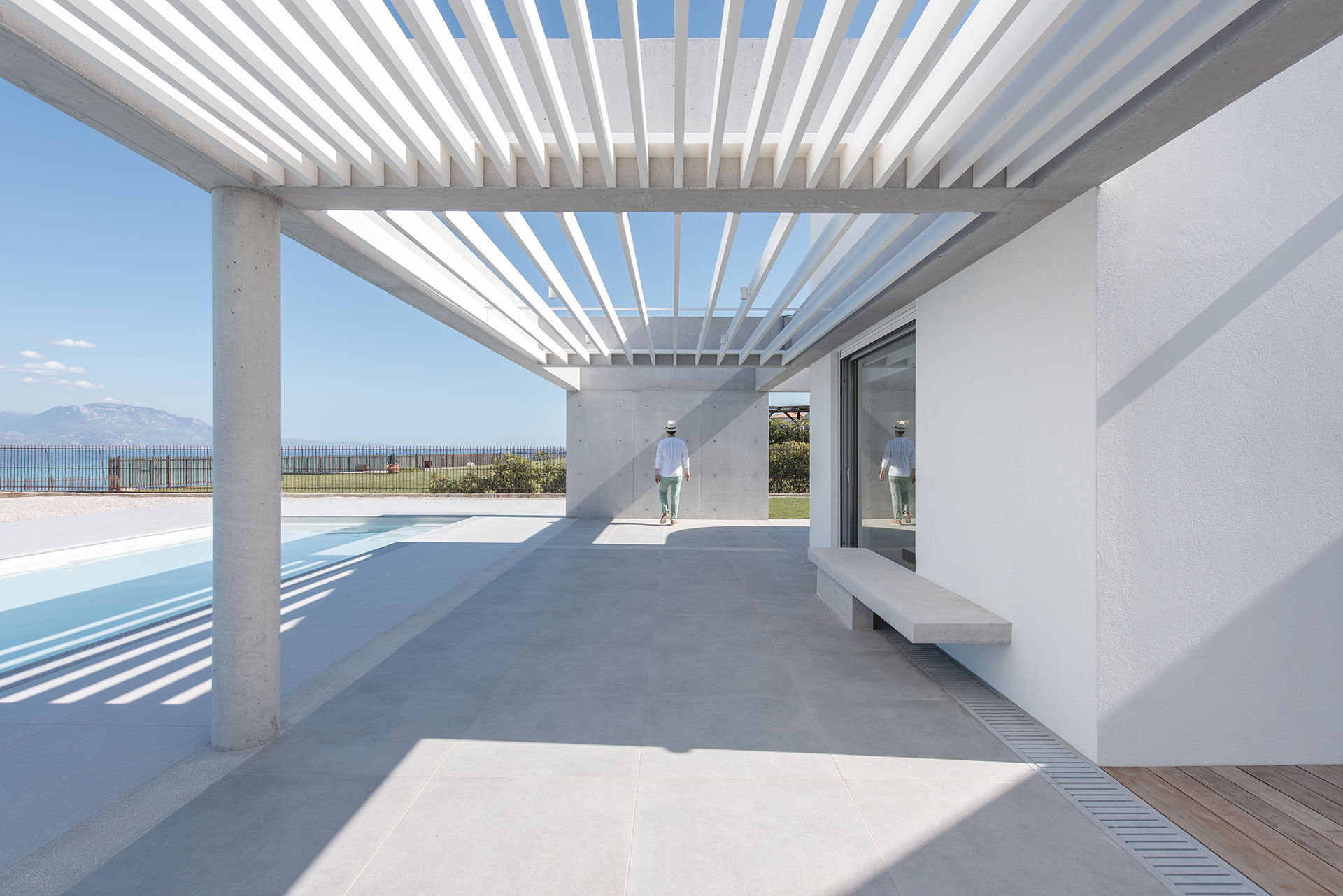 Beach House Neratza by R.C.TECH. Photo by Athina Souli.