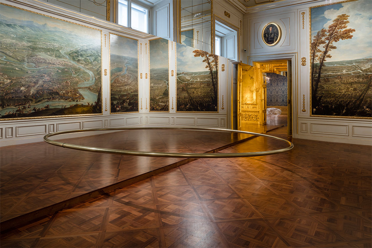 Olafur EliassonWishes versus wonders, 2015Steel, brass90 x 500 x 250 cm, ø 6,5 cm The Winter Palace of Prince Eugene of Savoy, Vienna 2015 Photo by Anders Sune BergCourtesy of the artist; neugerriemschneider, Berlin; Tanya Bonakdar Gallery, New York© Olafur Eliasson.