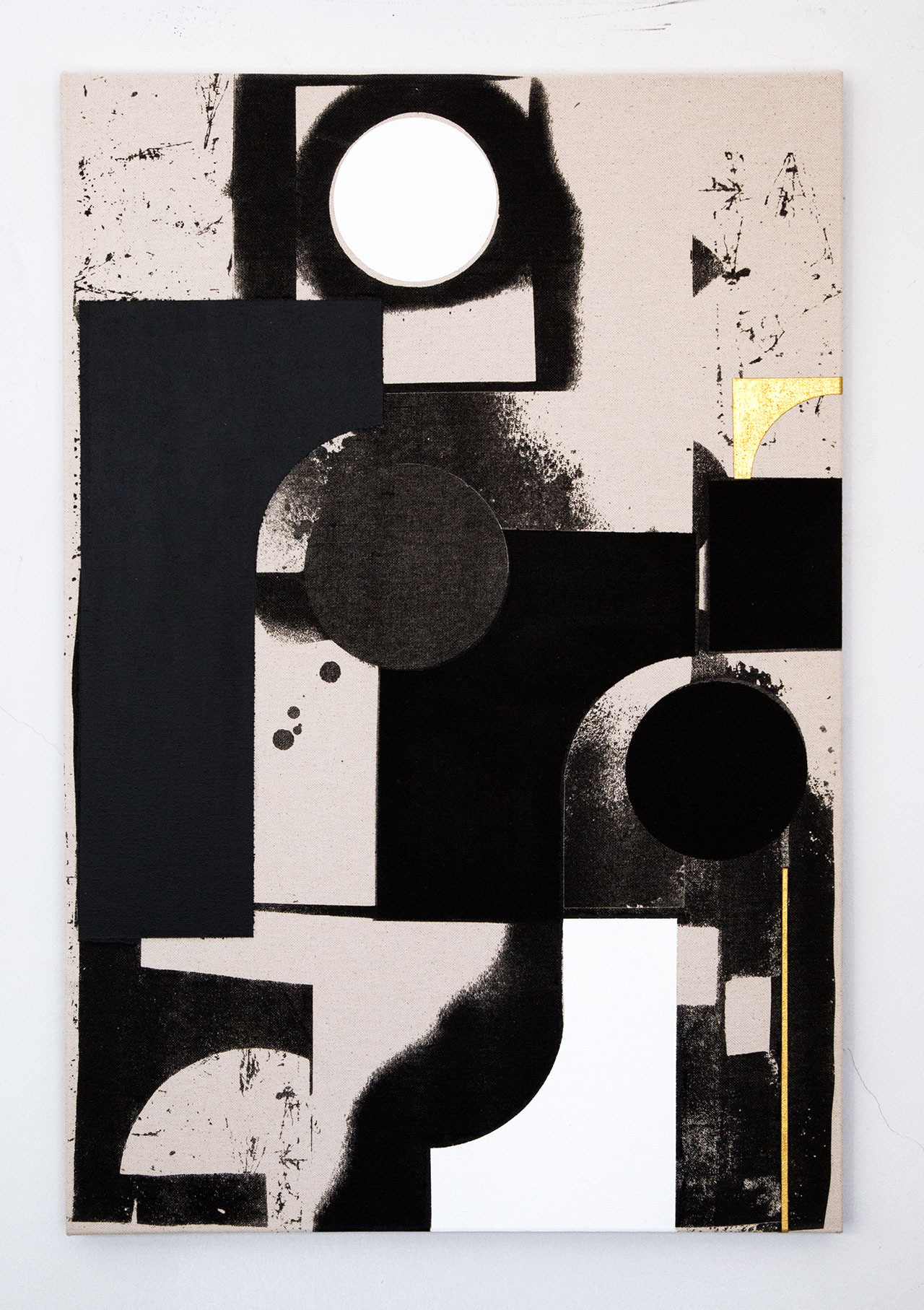 Panos Tsagaris, Under the shadow of any empty thoughtgold leaf, acrylic paint and silkscreen on canvas, 86x56 cm, 2016. Courtesy of the artist and Kalfayan Galleries, Athens-Thessaloniki.