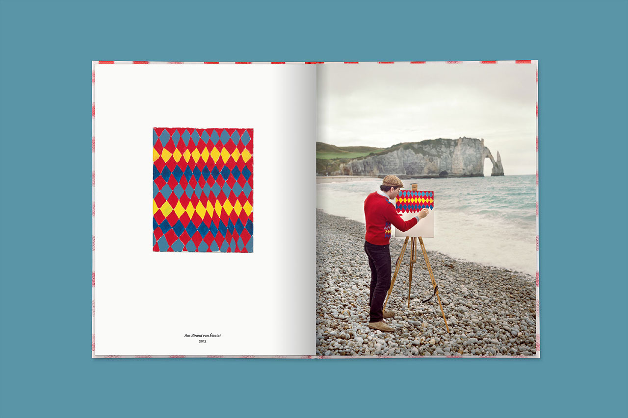 Am Strand von Étretat,2013 (book spread).© 2016 Edition Taube,Hank Schmidt in der Beek,Fabian Schubert.