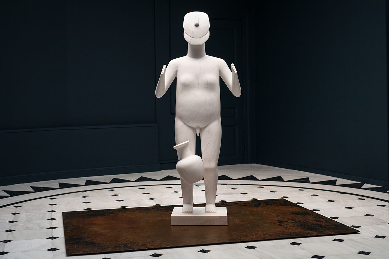 Standing Figure, 2016. Marble, 188 x 80 x 58 cm. Photo by Paris Tavitian © Museum of Cycladic Art.