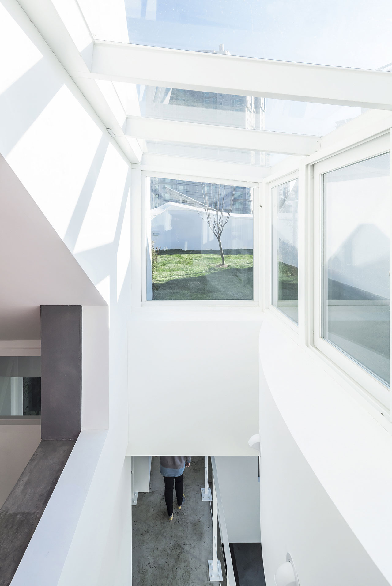 The Flying House by IROJE KHM Architects has Landed near Incheon ...