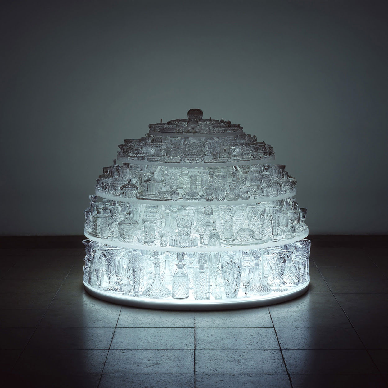 Stuart Haygarth, Igloo, 2011. LED lighting, clear crystal glassware, Perspex. Photo courtesy Carpenters Workshop Gallery.