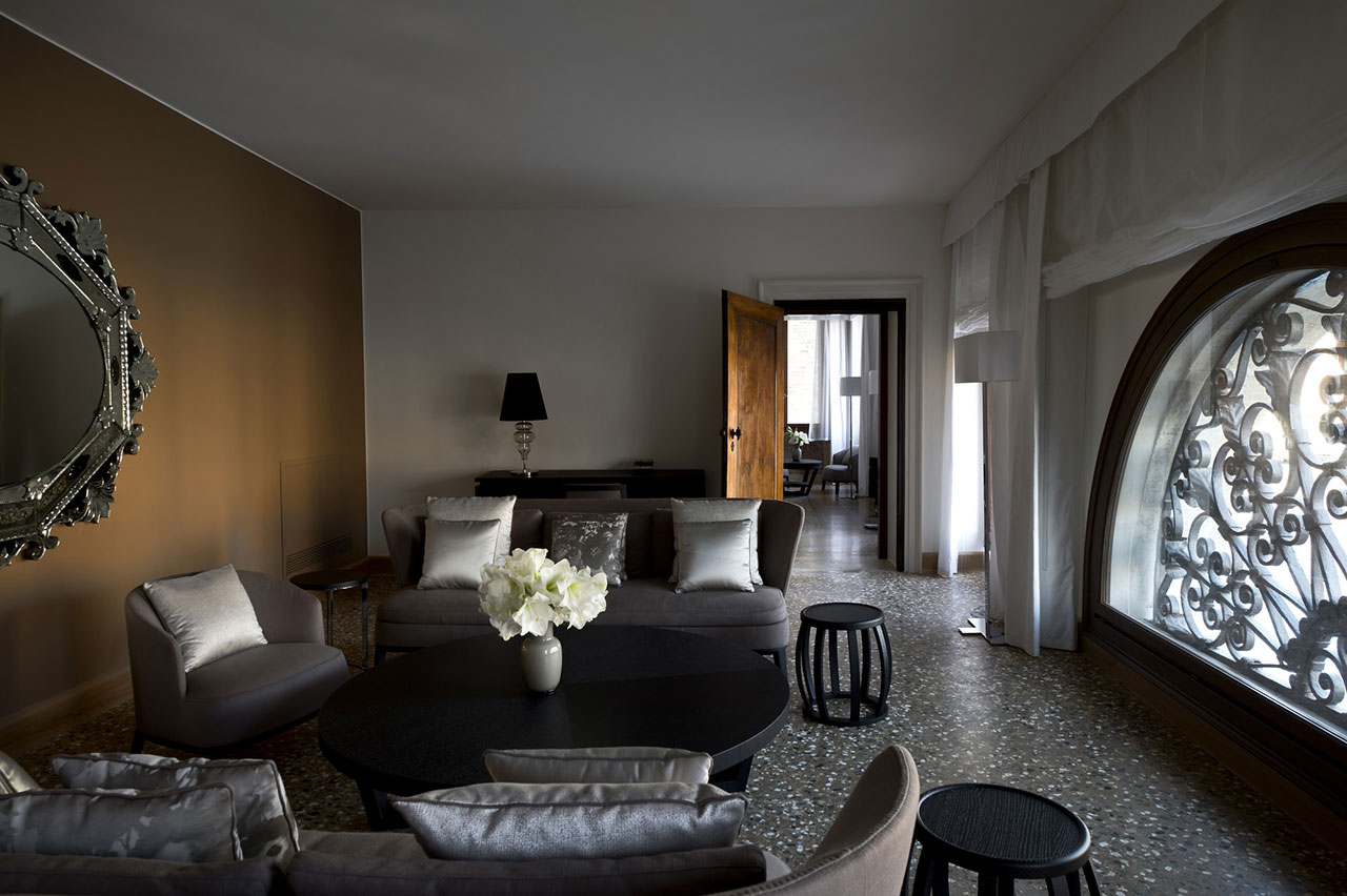 Canal Grande Suite, photo © Aman Canal Grande Hotel, Venice, Amanresorts.