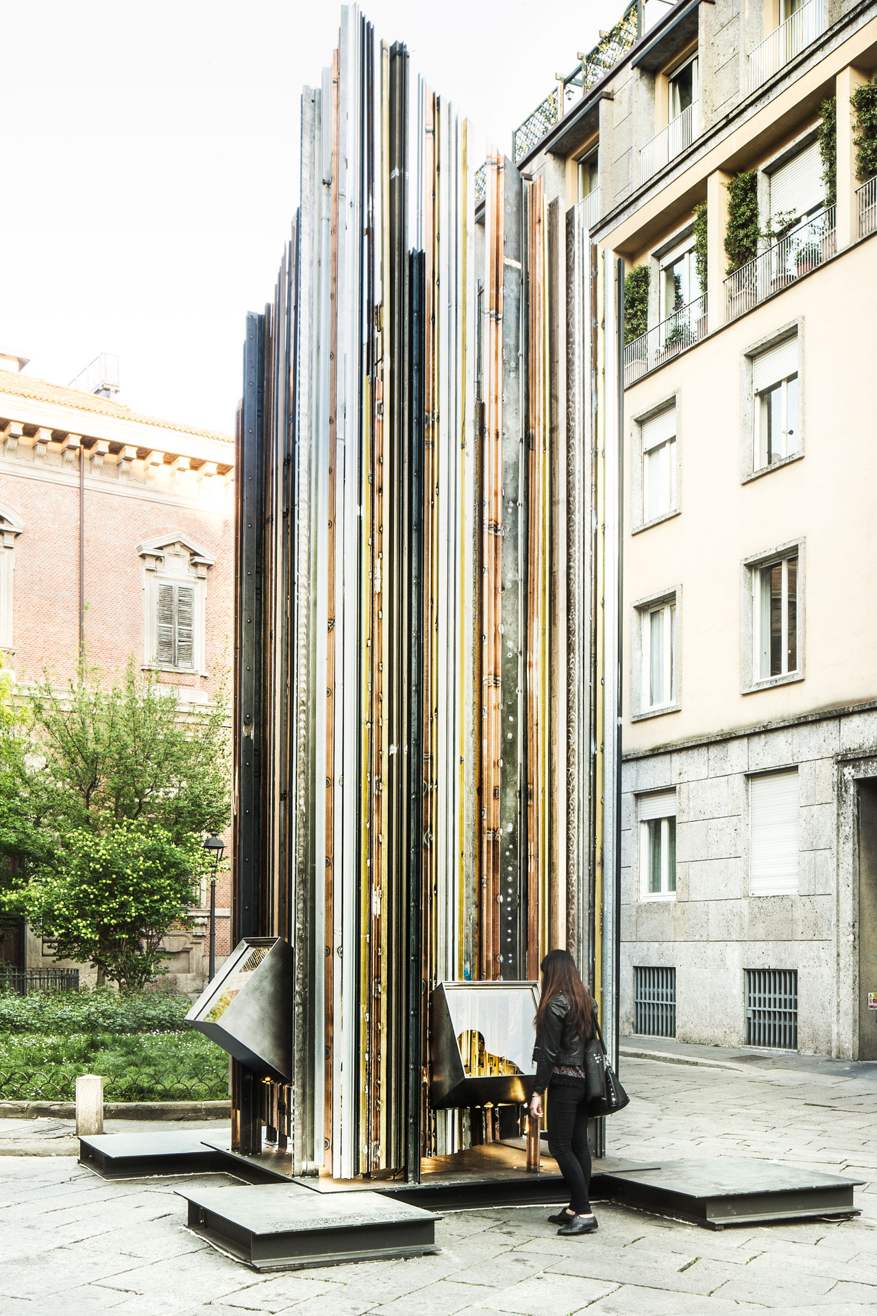 """Scrigno del Cielo (Jewelbox in the Sky): Architecture Inside A Window"" by Cherubino Gambardella and Simona Ottieri (Gambardell Architetti) for Capoferri in the Brera District.Photo © Filippo Romano."