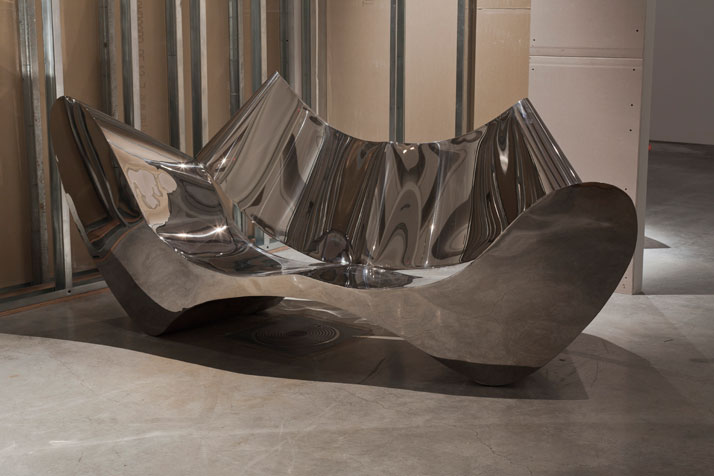 In Reverse, Installation Image.D-Sofa (1994).Courtesy of Ron Arad Associates.