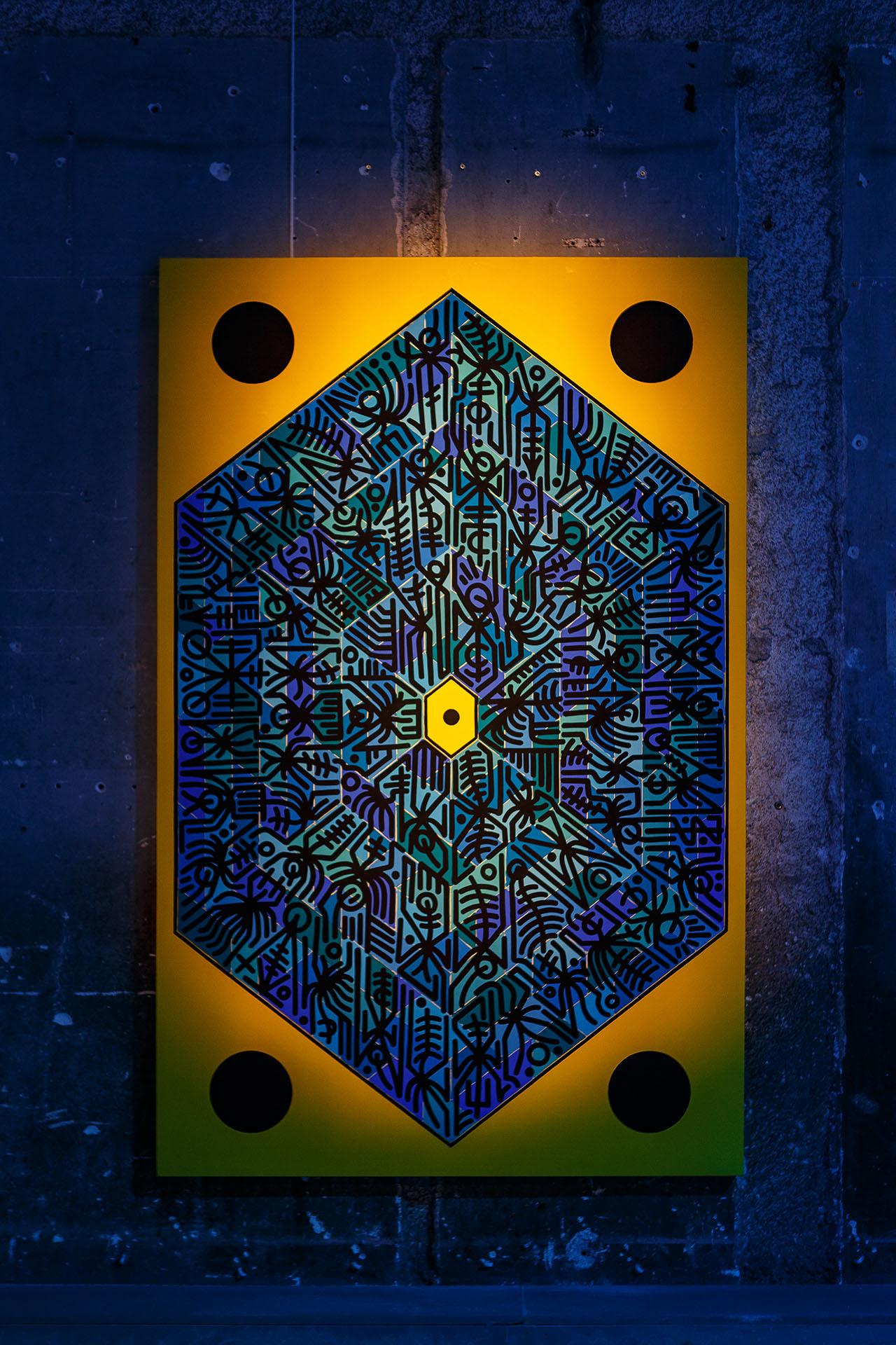 Artwork by Dimitris Dokos, inspired by Bombay Sapphire's CANVAS brand hexagonal pattern. Photo by Kostas Dekoumes© Yatzer 2019.