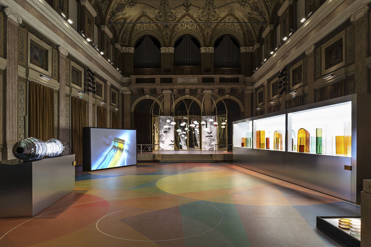 Installation view of the KOSMOS exhibition by WonderGlass at the Istituto dei Ciechi. Photo by Leonardo Duggento.