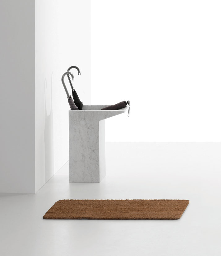 Lello umbrella stand in White Carrara marble by Maddalena Casadei for Marsotto Edizioni, 2011.