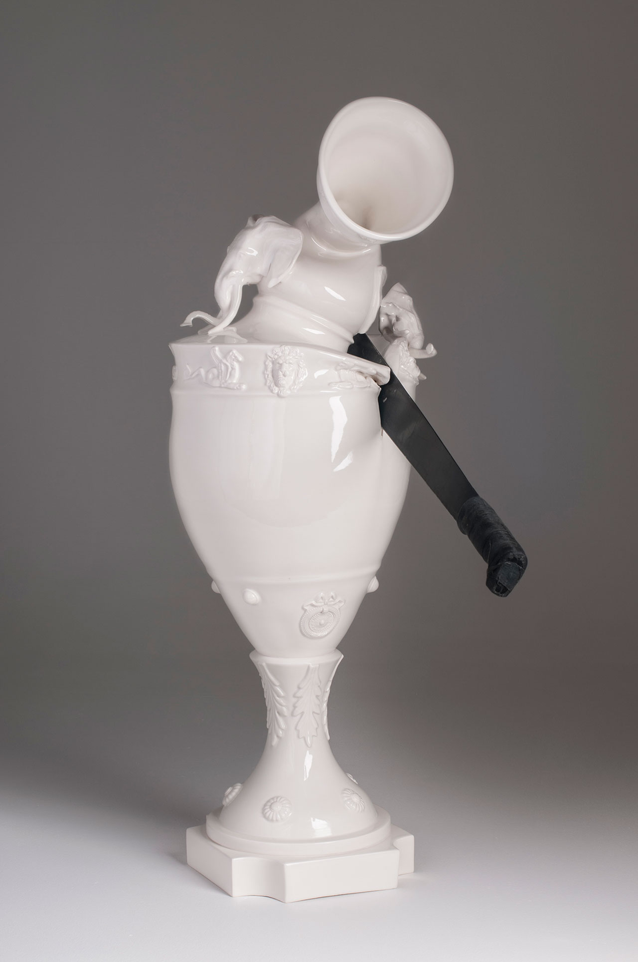 Craste Laurent, Style colonial, 2012. Porcelain, glaze, machete, 86.5 x 31 x 31.5 cm. Claridge collection.