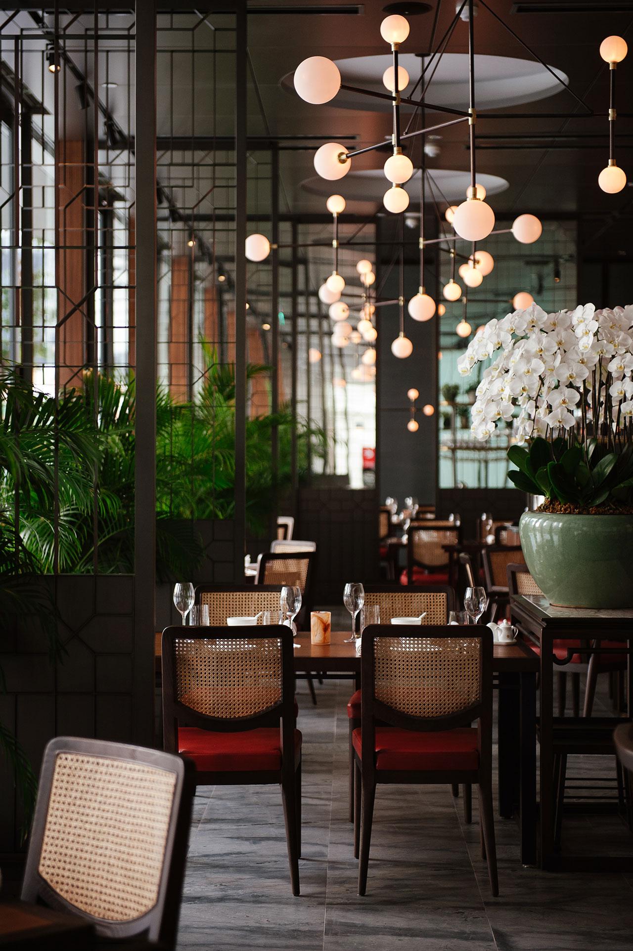 Designed to impress empress restaurant at singapore 39 s for Oriental furniture singapore