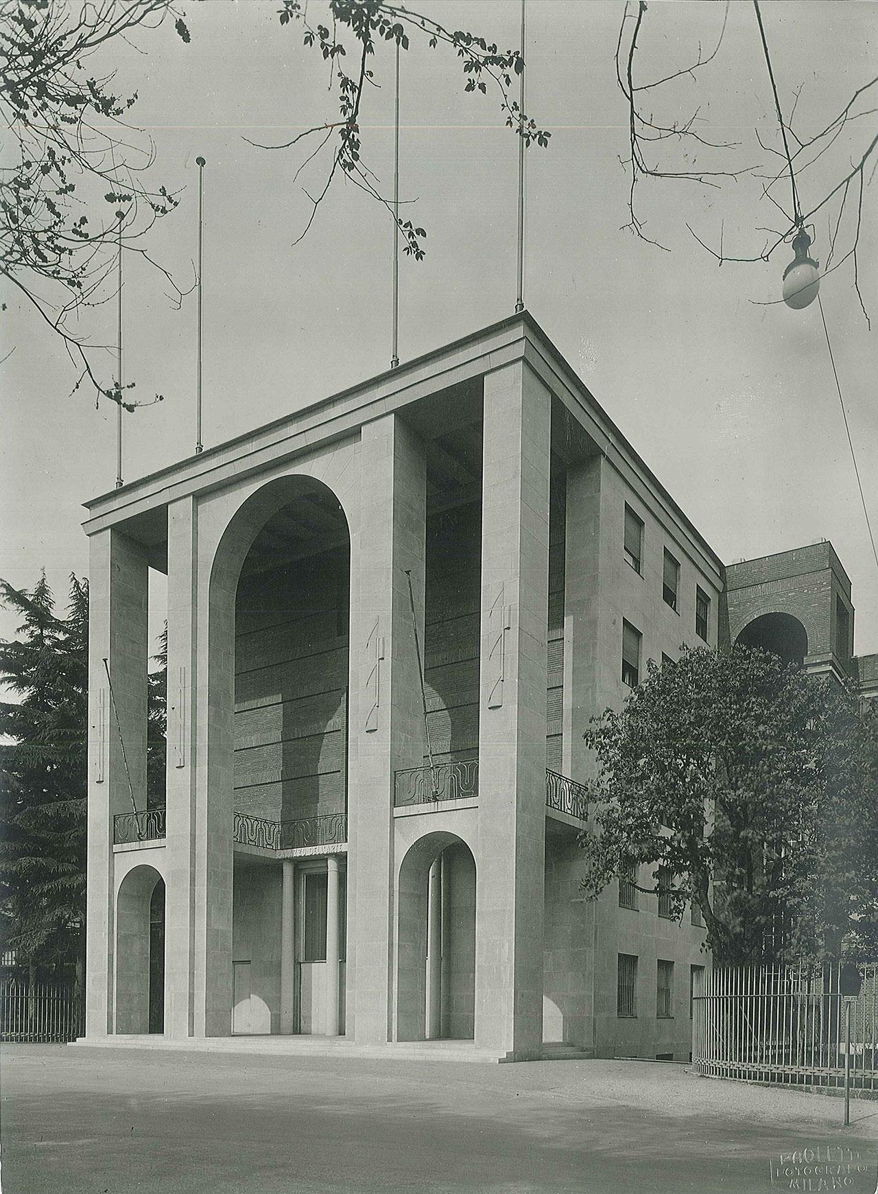 Giovanni Muzio, Palazzo dell'Arte (Fondazione Bernocchi), 1933. Photographic print, 16 x 22 cm. Photographic Studio A. Paoletti, Muzio archive © Muzio archive.