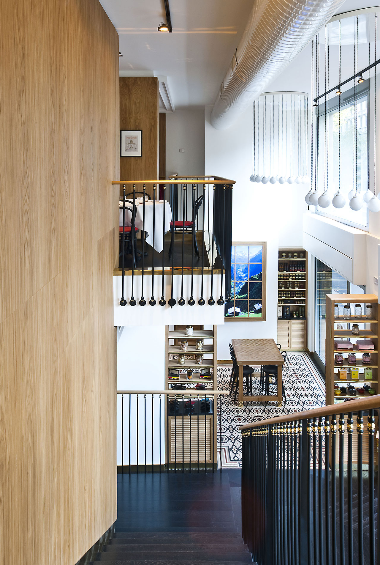 Red Truth Le Vrai Brasserie And Boulangerie In Milan By