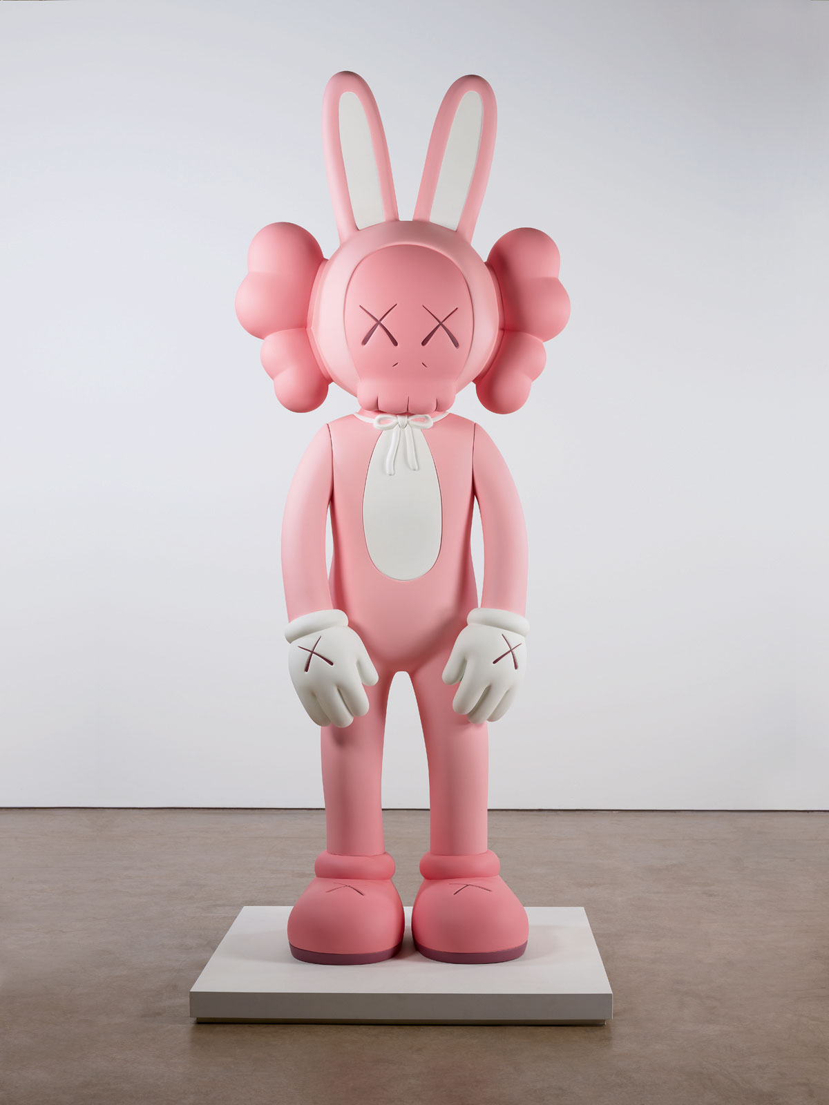 Accomplice, 2010. Courtesy the artist, Galerie Perrotin and YSP. Fibreglass and rubberised paint, 305cm x 121cm x 91cm. Photo © Jonty Wilde.