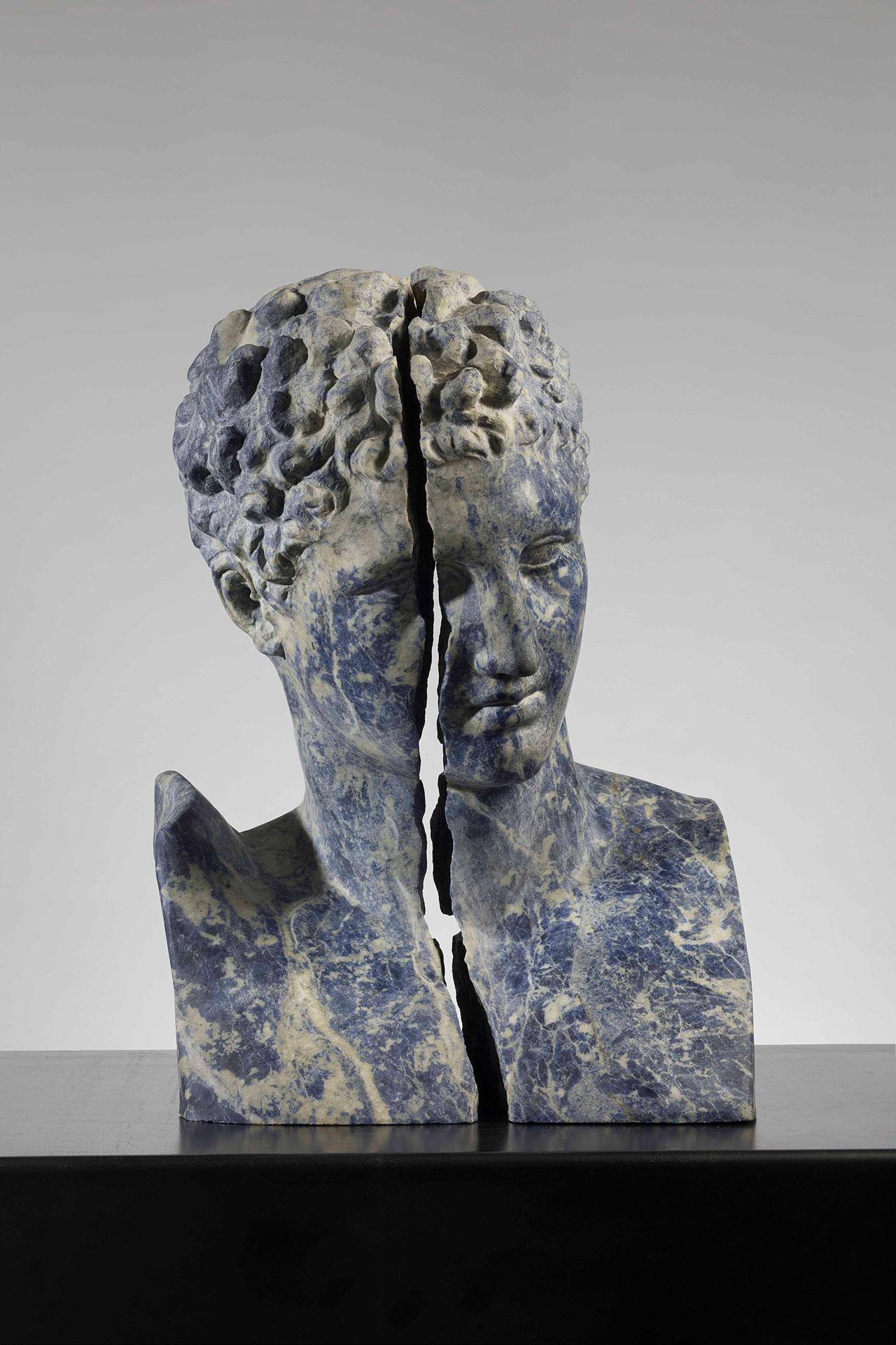 Massimiliano Pelletti,Broken Blue, 2017.Bolivian sodalite, 56 x 41 x 35 cm.