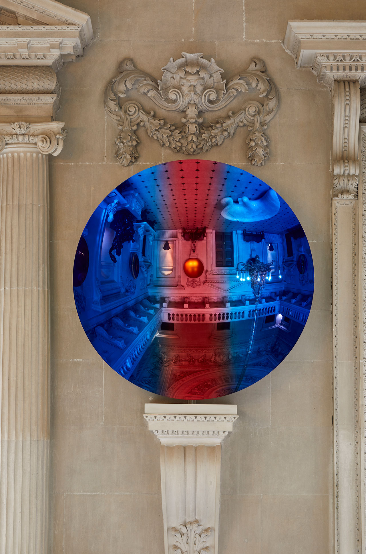 Exhibition view, Anish Kapoor at Houghton Hall. © Anish Kapoor. All rights reserved DACS, 2020. Photo by Pete Huggins. Featured: Cobalt Blue to Apple and Magenta mix 2, 2018. Courtesy the artist and Lisson Gallery.