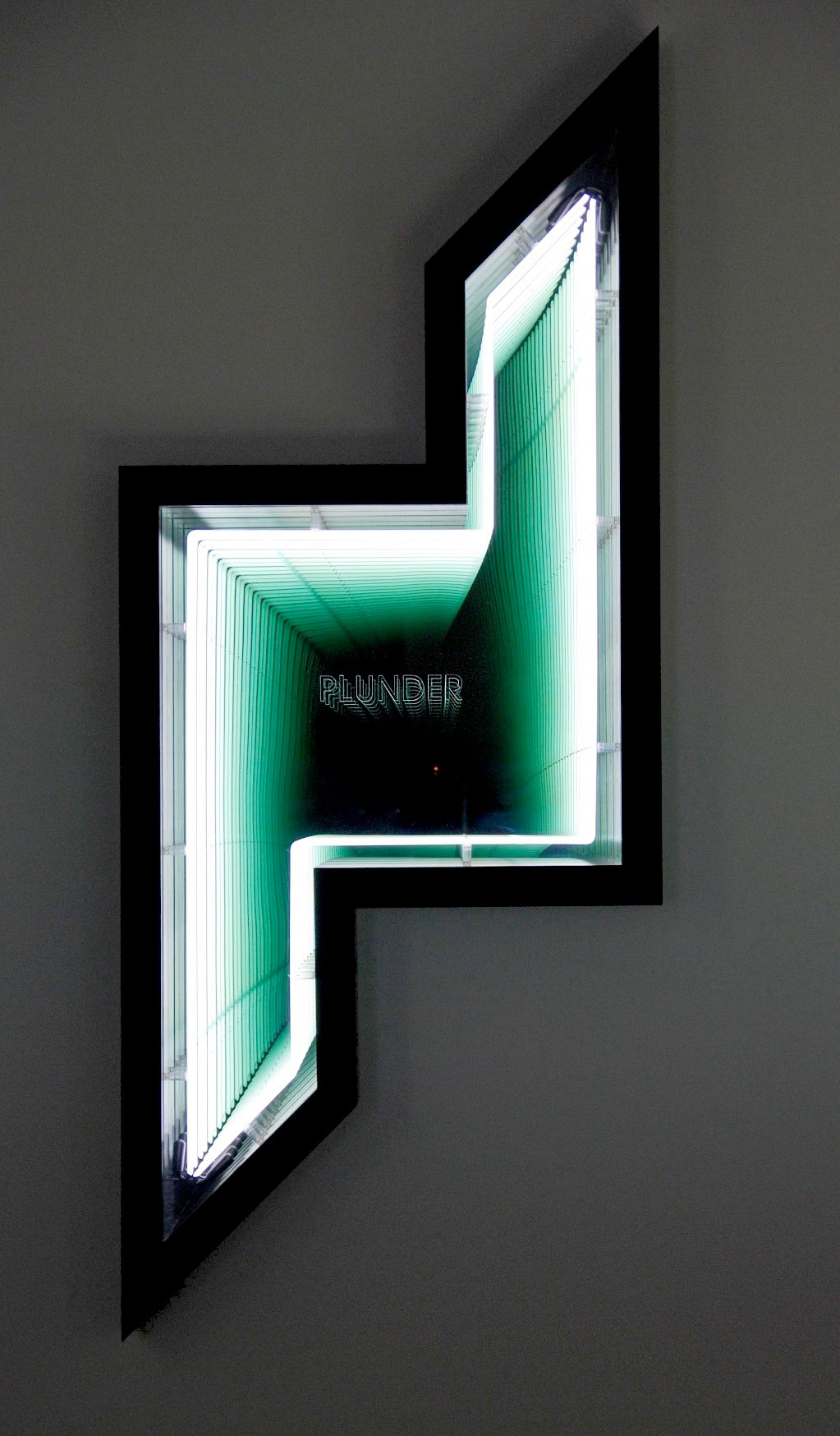 Ivan Navarro, Plunder (Dubai Towers - Doha), 2011. Neon , wood, paint , Plexiglas , mirror, two-way mirror and electricity, 249 x 103 x 18 cm. Photo courtesy Galerie Templon, Paris and Brussels.