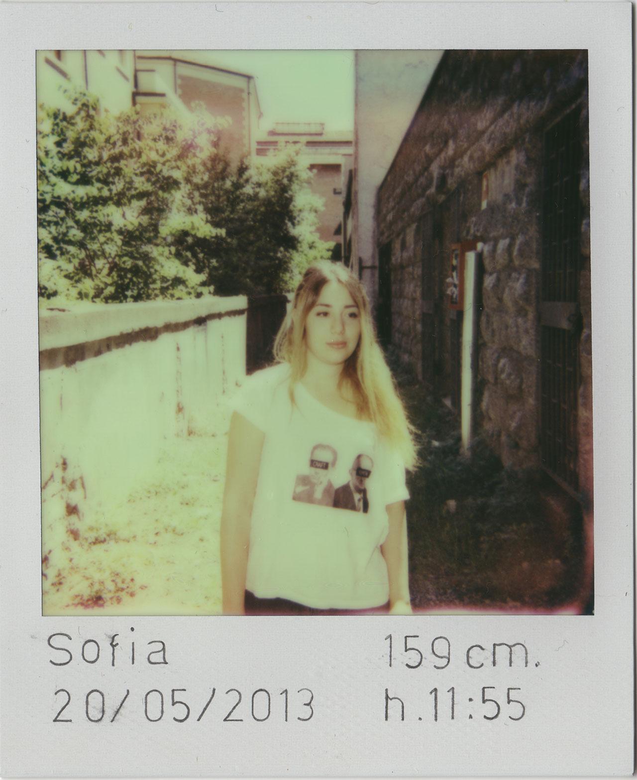 Irene Fenara, Ho preso le distanze, 2013. 33 Polaroid, Courtesy Irene Fenara.