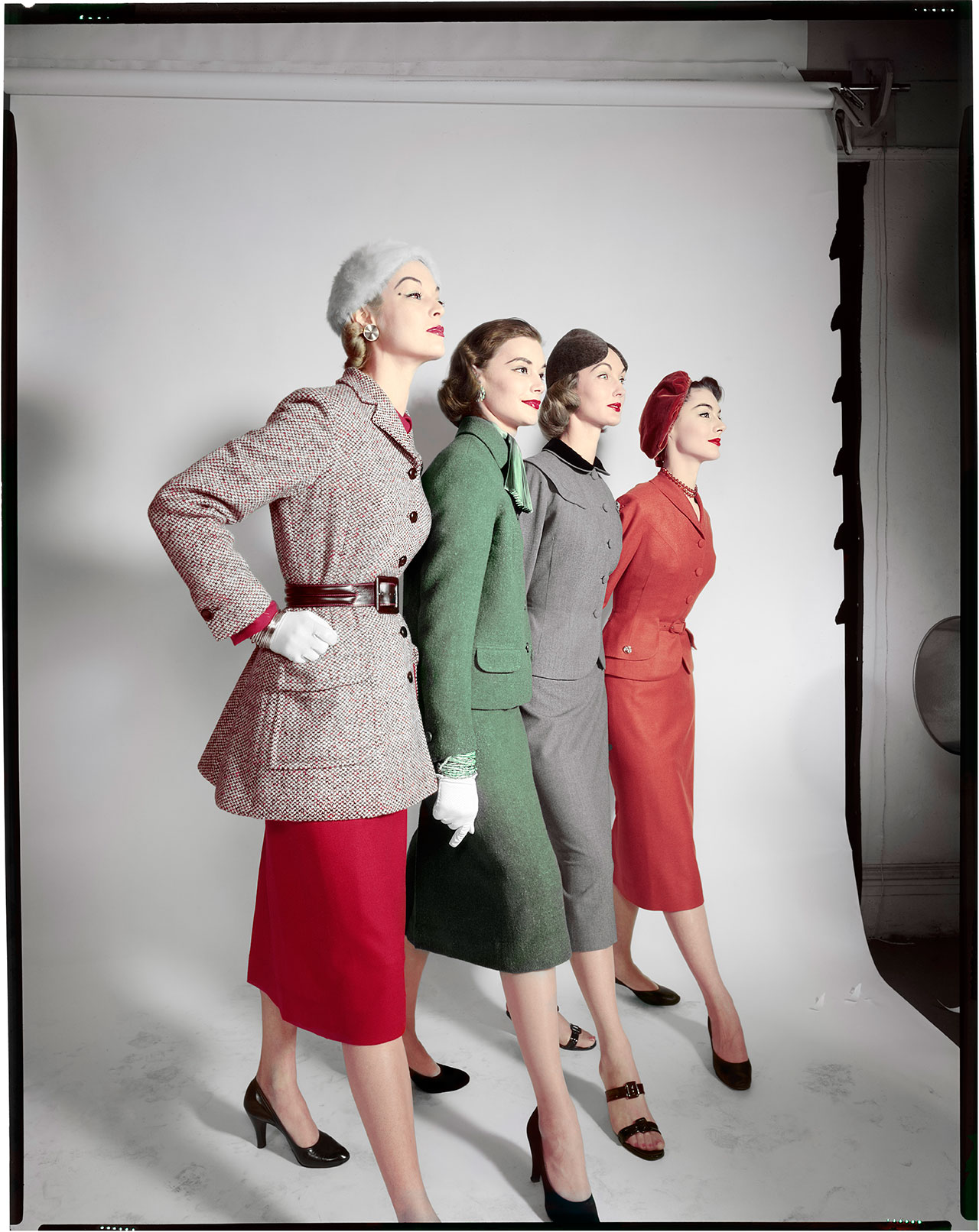 Test, Models :  G to D. Jean Patchett, X, Evelyn Tripp, Nancy Berg. Circa 1952 © The Estate of Erwin Blumenfeld.