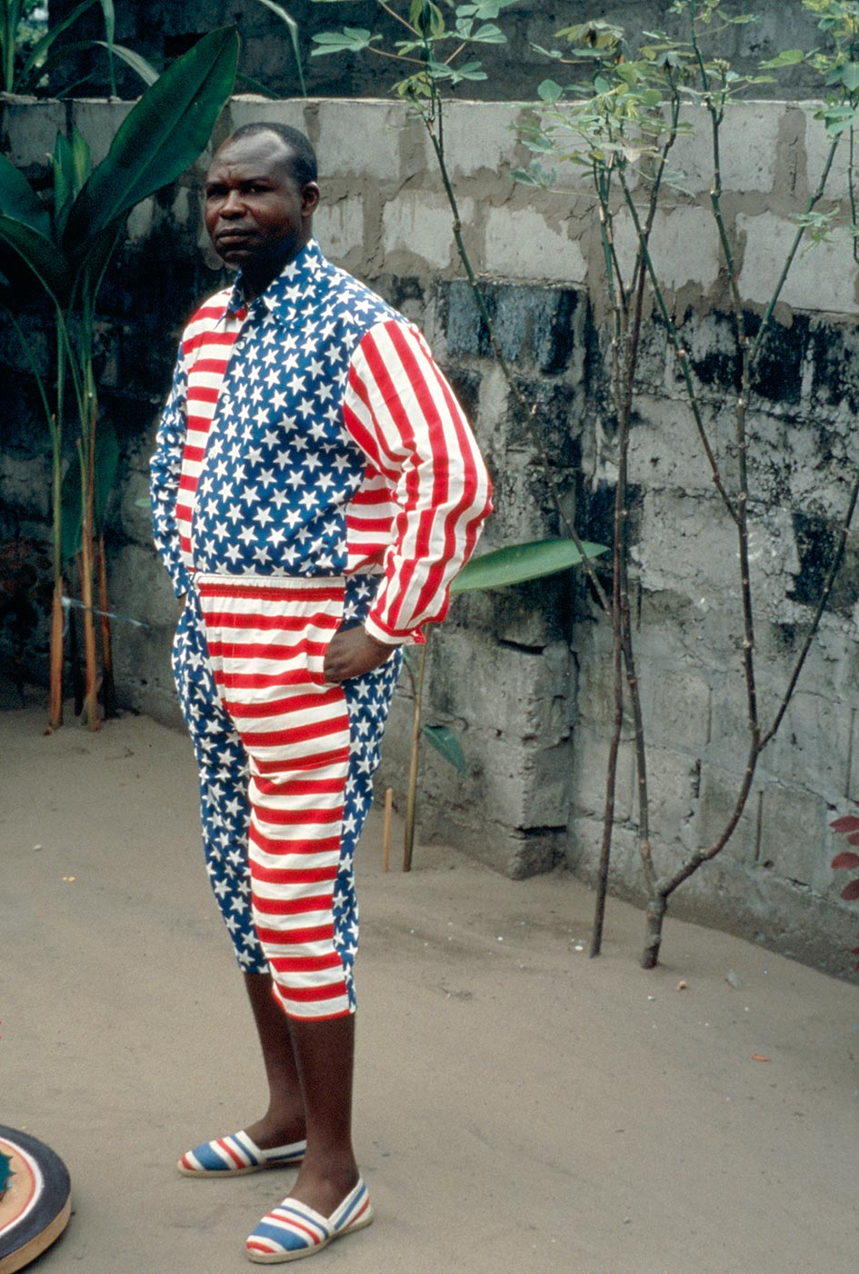 Bodys Isek Kingelez in Kinshasa, 1990. Courtesy André Magnin, Paris. Photo by André Magnin.