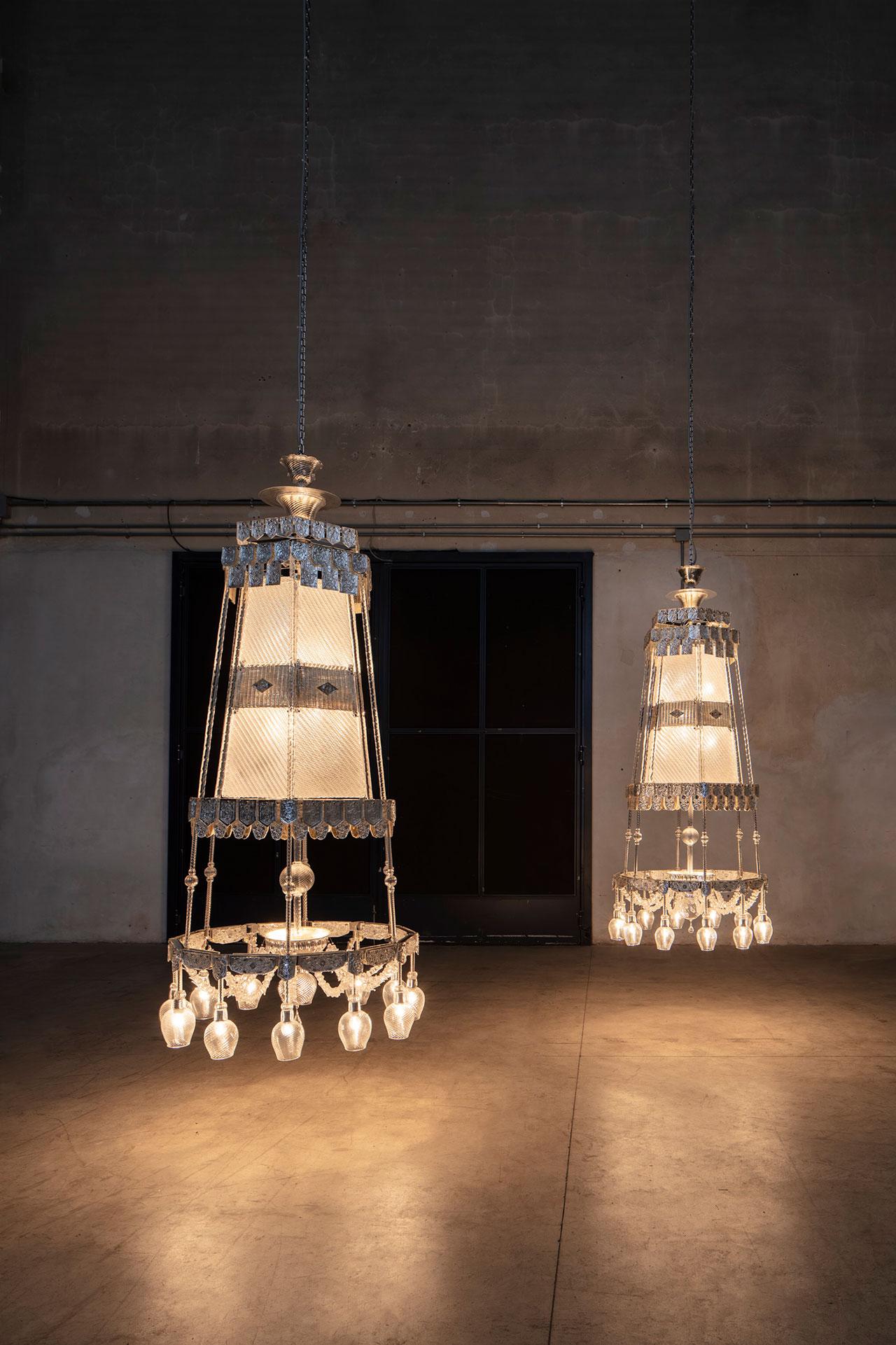 Cerith Wyn Evans, S=U=T=R=A, 2017. Installation view at Pirelli HangarBicocca, Milan, 2019. Courtesy of the artist; Marian Goodman Gallery, New York, Paris and London, and Pirelli HangarBicocca. Photo: Agostino Osio.