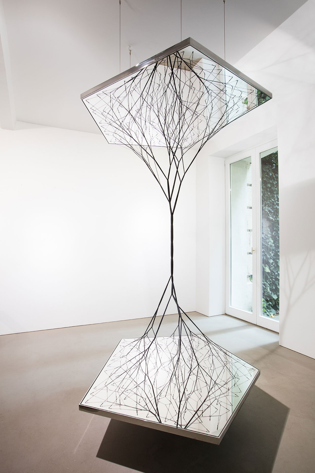 Tomás Saraceno, Connectome, 2013. Rope, threads, mirrors. 165 x 120 x 105 cm. Edition of 3 plus 1 artist proof #3/3. Photo © Andrea Rossetti.