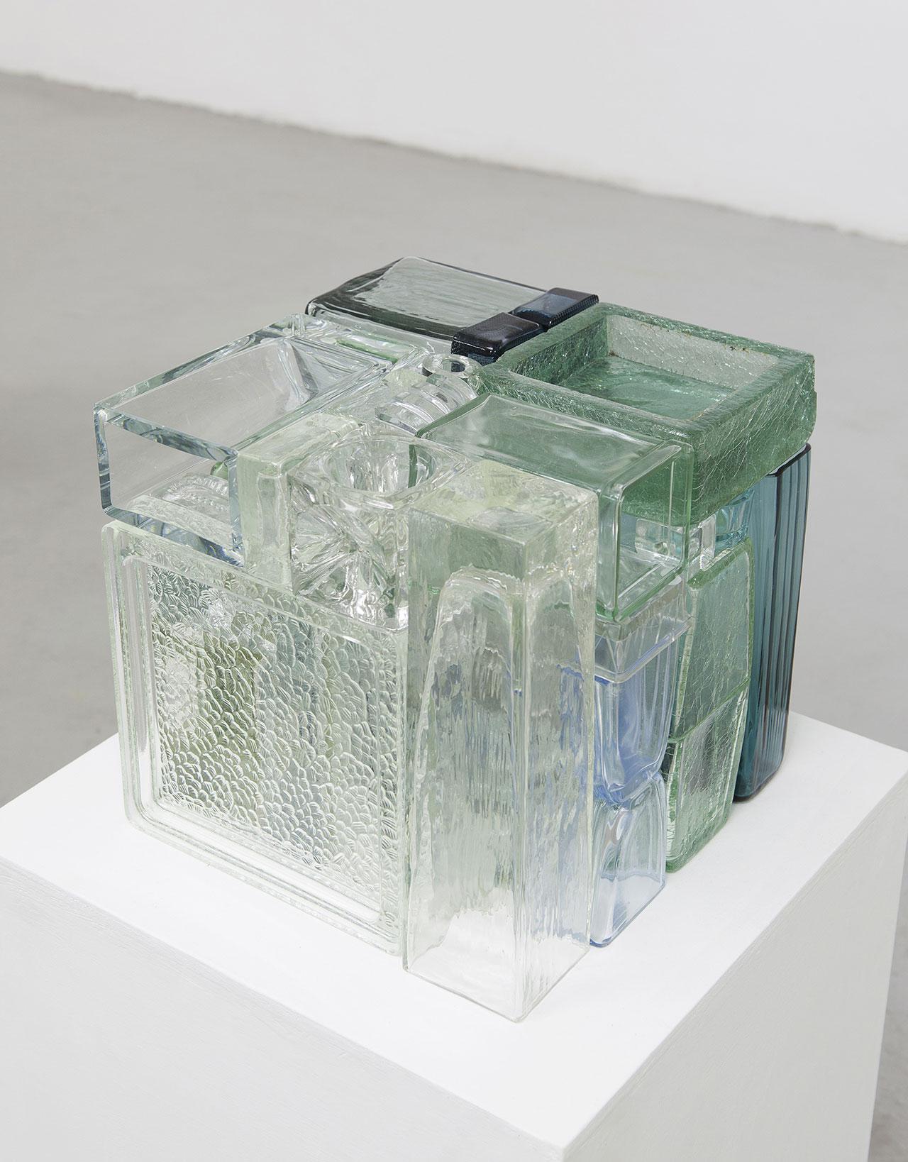 Michael Johansson,Trasparent crossfade, 2017, glass items,28x28x28 cm. Courtesy: The Flat – Massimo Carasi, Milan. Photo © Michael Johansson.