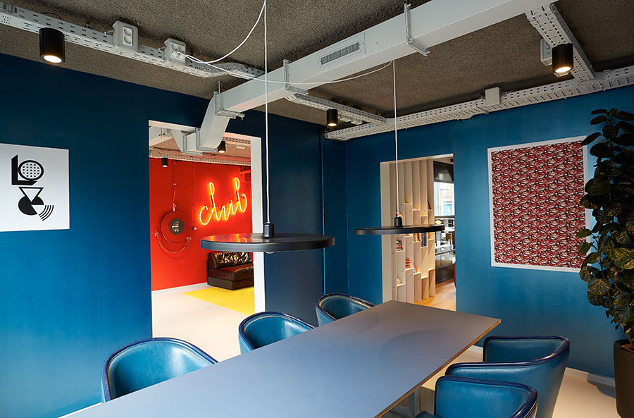 The Student Hotel Amsterdam The Hague. Meeting area, photo © Kasia Gatkowska x …,staat.