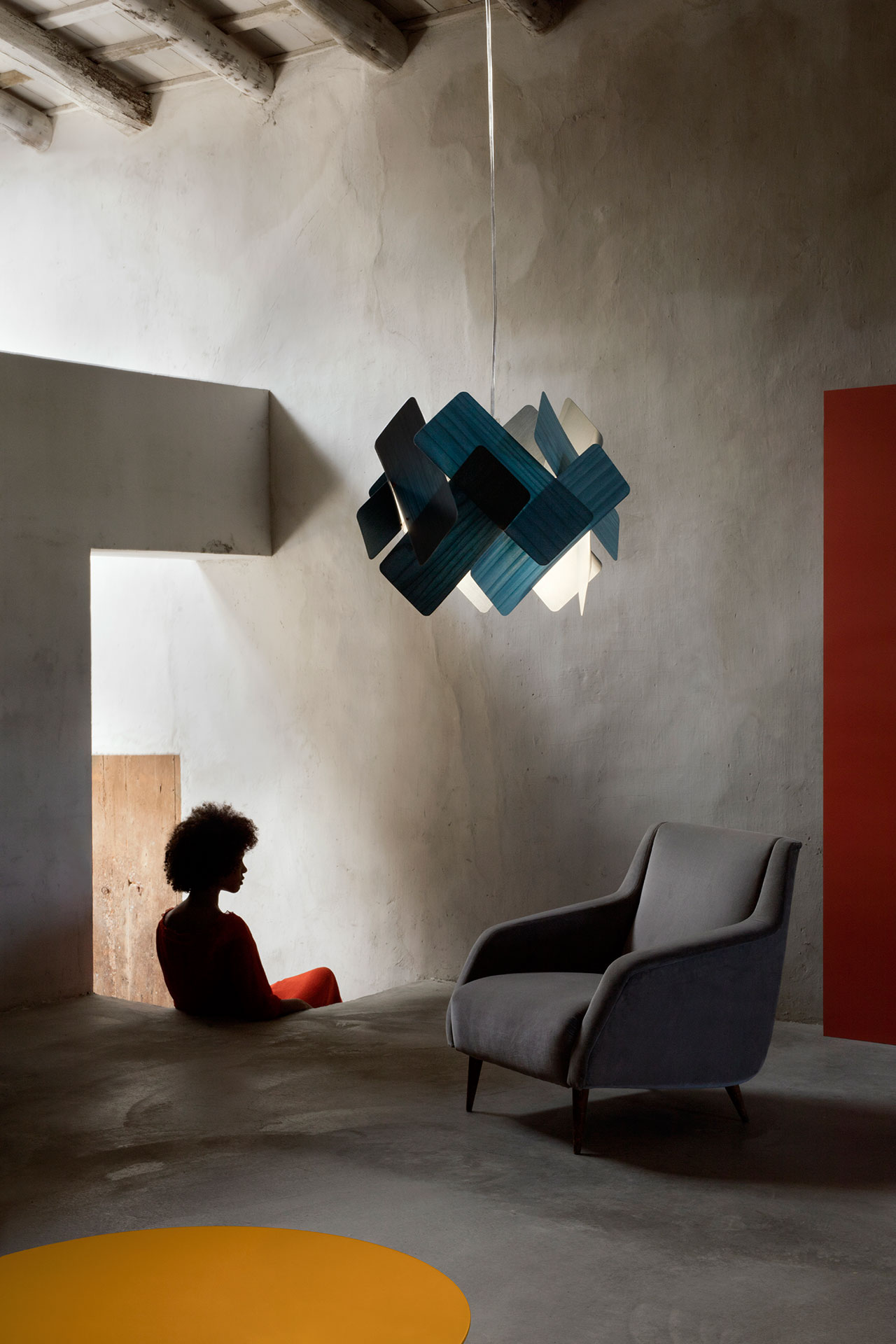 Escape pendant lamp by Ray Power, from the Palacio de Casavells photo shoot. Photo by KlunderBie Studio.