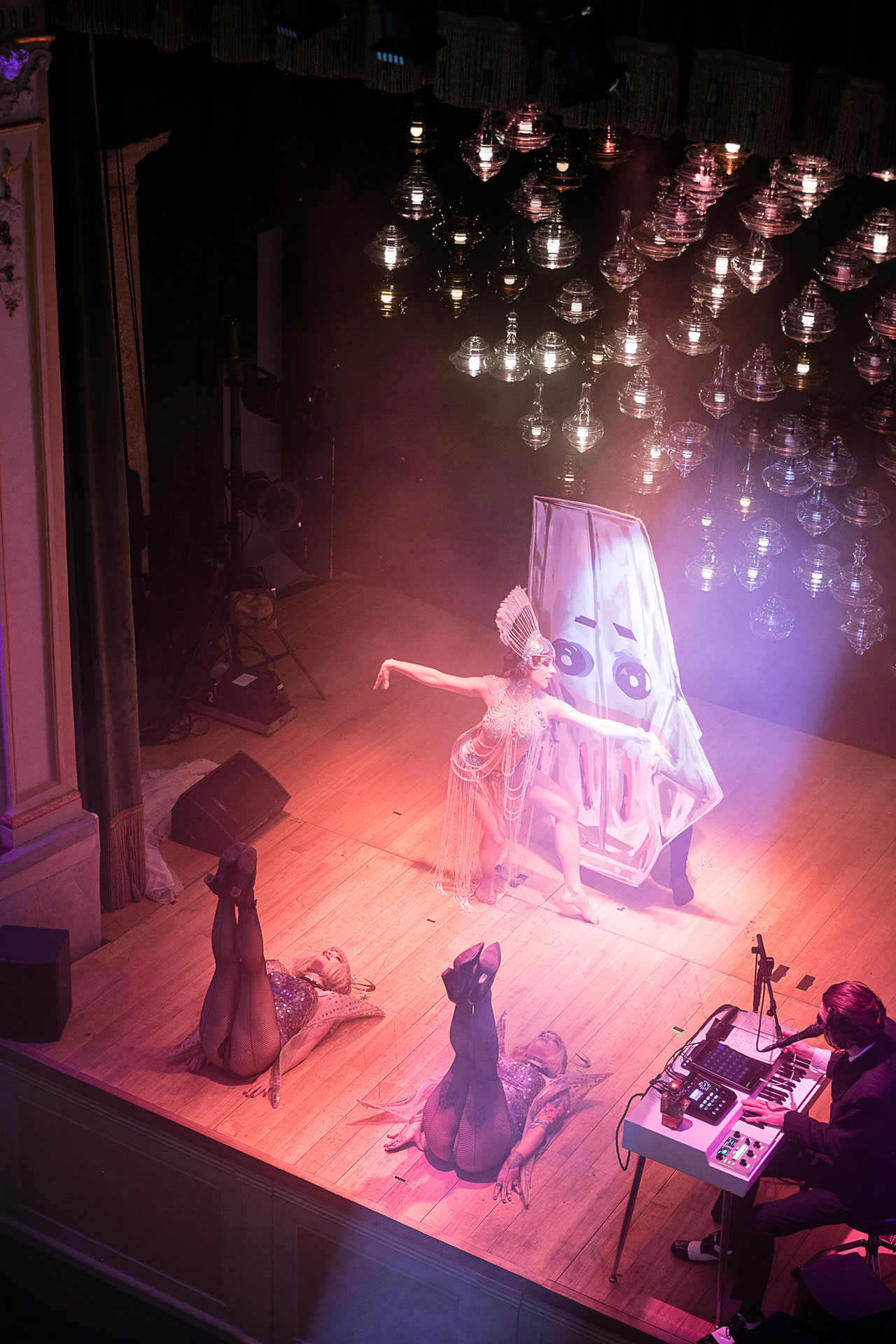 Lasvit Monster Cabaret view at Teatro Gerolamo. On the background Neverending Glory chandelier collection. Photo courtesy Lasvit.