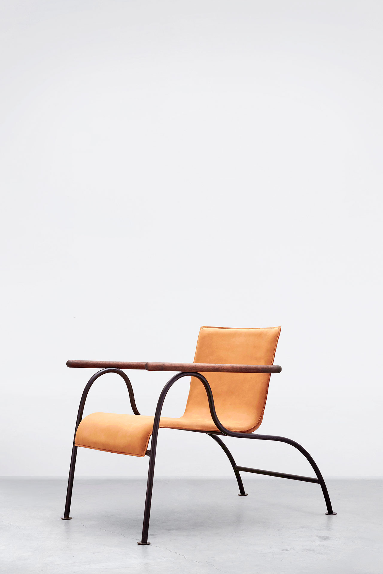 Tankan (Stroke) lounge chair. Photo by Sameer Belvalkar.