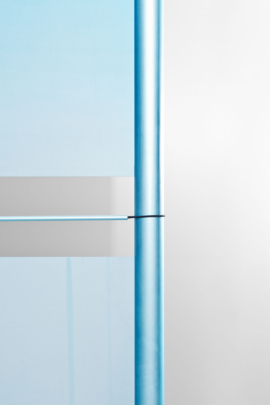Detail of Screen #8 (anodised aluminium, cord, cable). Photo © Studio Bouroullec.