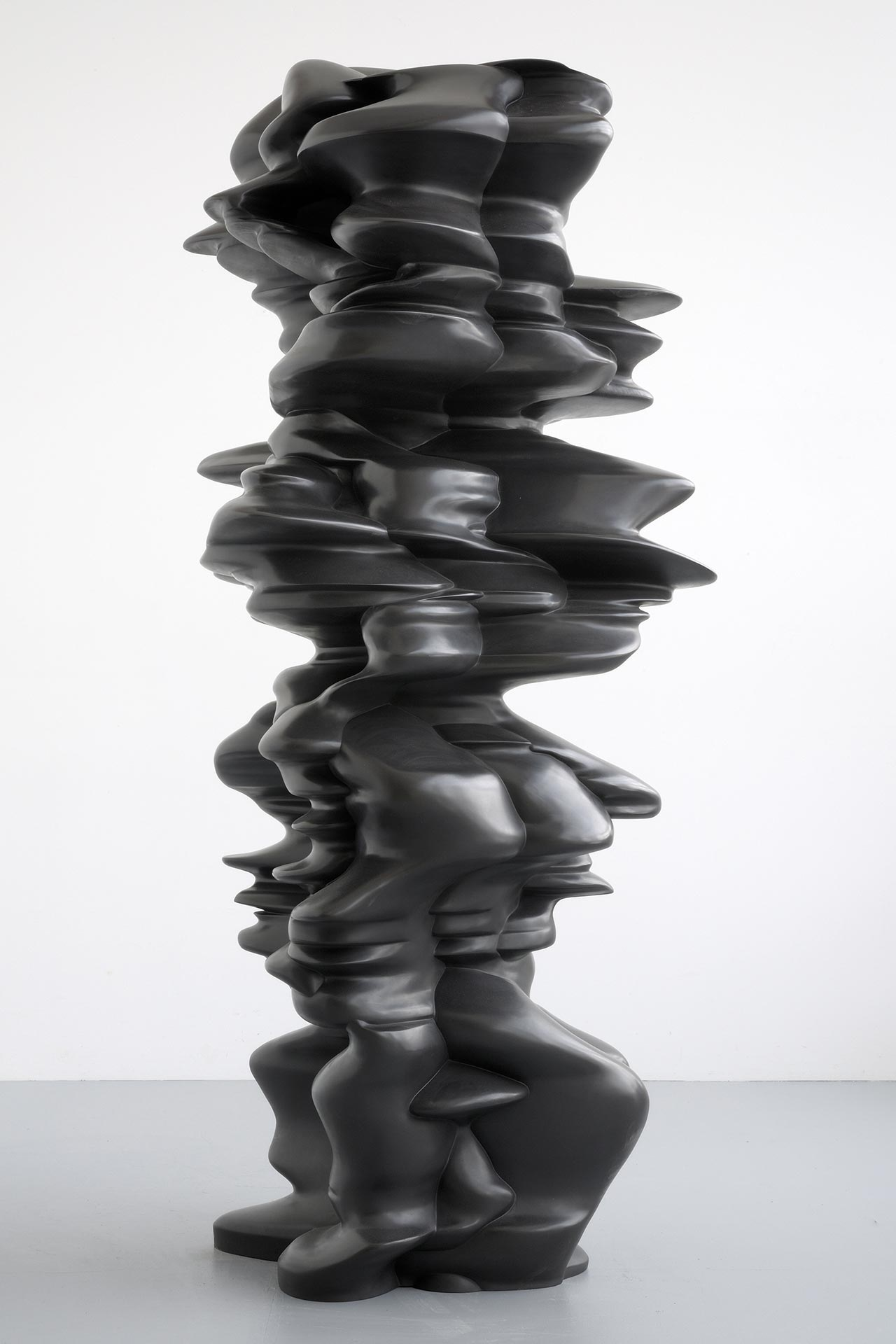 Tony Cragg, It is, It isn't, 2010. Bronze, 242 x 120 x 110cm. Photo by Charles Duprat. © VG Bild-Kunst Bonn 2016.