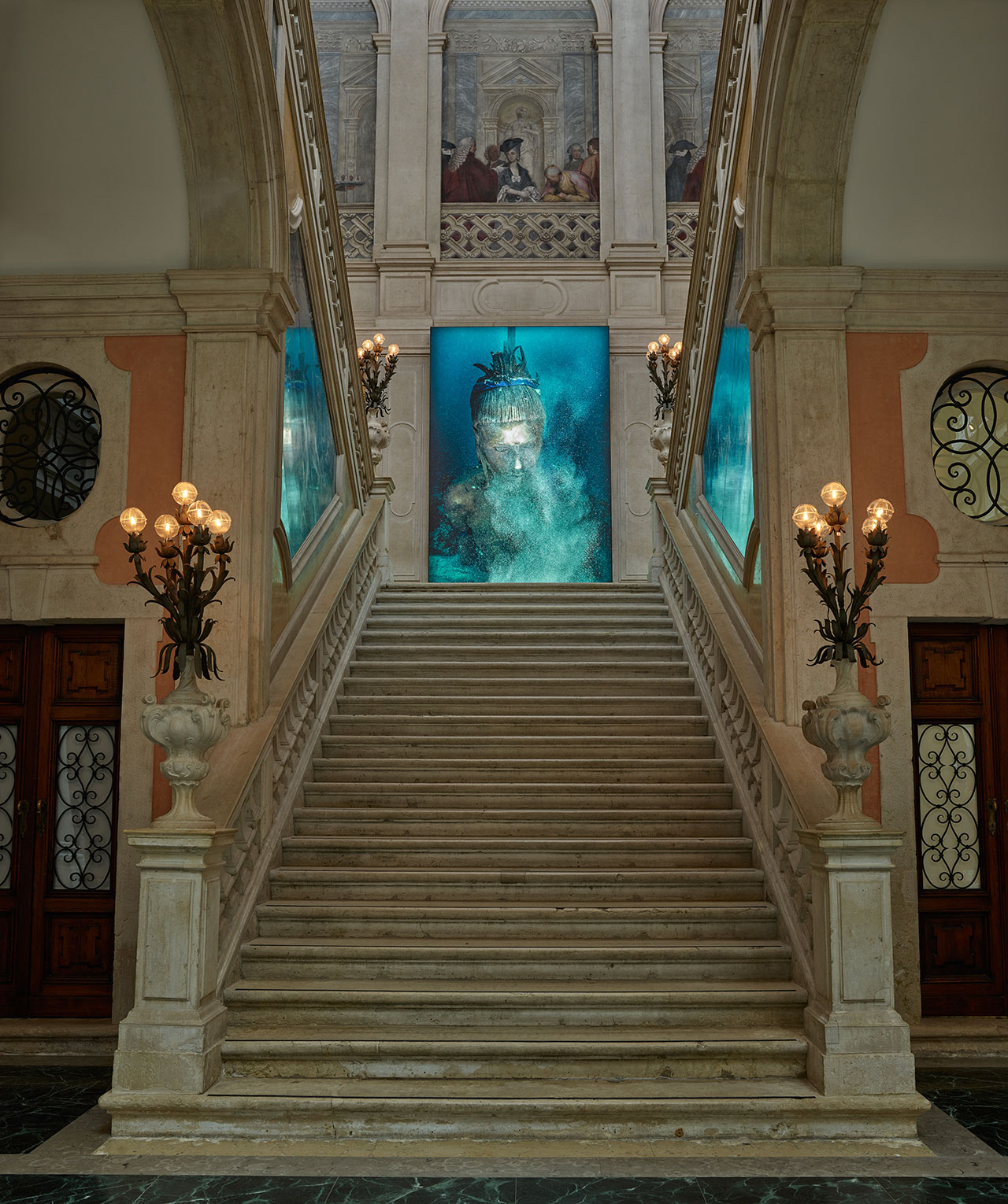 Damien Hirst, Aspect of Katie Ishtar ¥o-landi Beneath the Sea (photography ChristophGerigk). Photographed by Prudence Cuming Associates © Damien Hirst and Science Ltd. All rights reserved, DACS 2017.