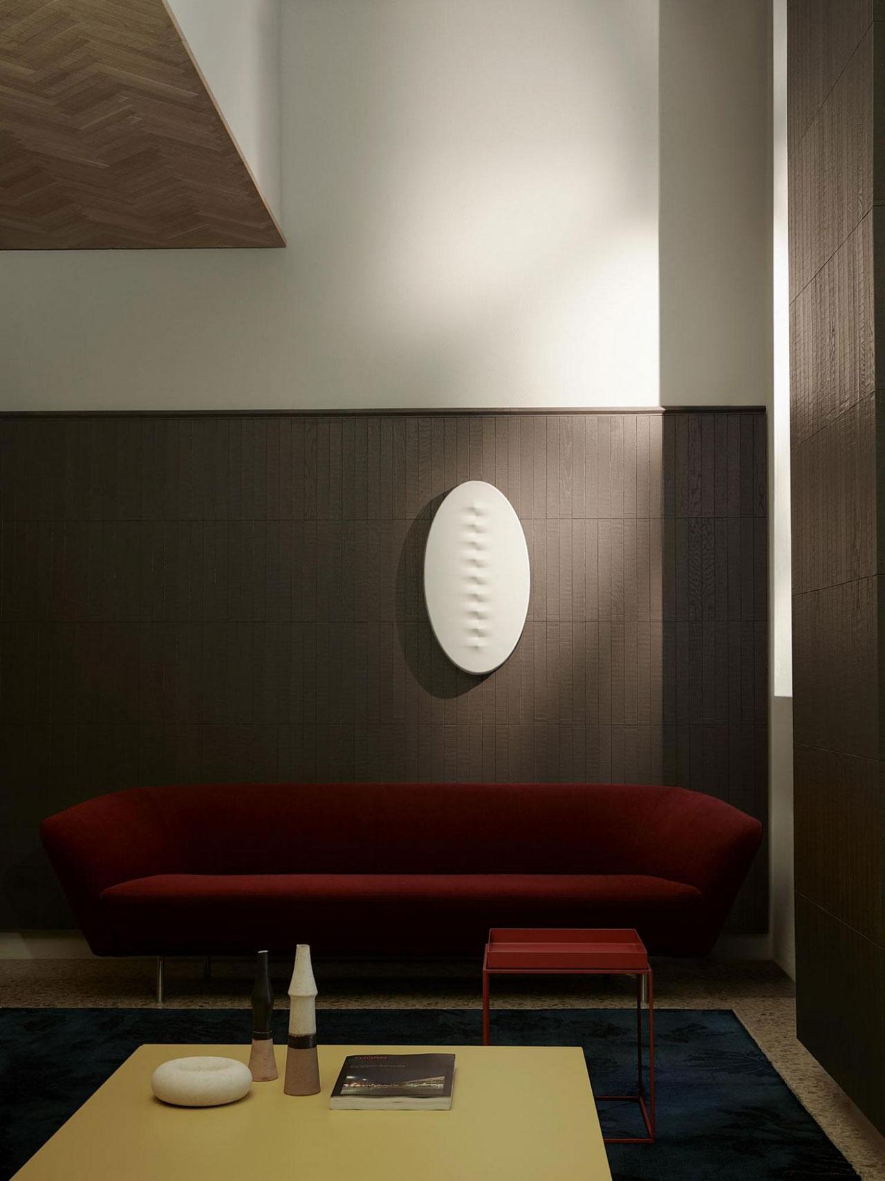 Foscarini,'Superficie' Wall lamp,2017, designed by Calvi Brambilla. Photo © Calvi Brambilla.
