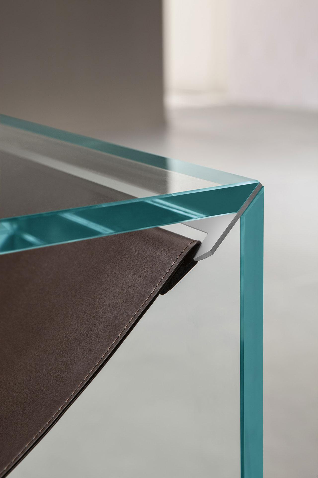 Tonelli,'Amaca'coffe table,2018, designed byCalvi Brambilla. Photo ©Calvi Brambilla.
