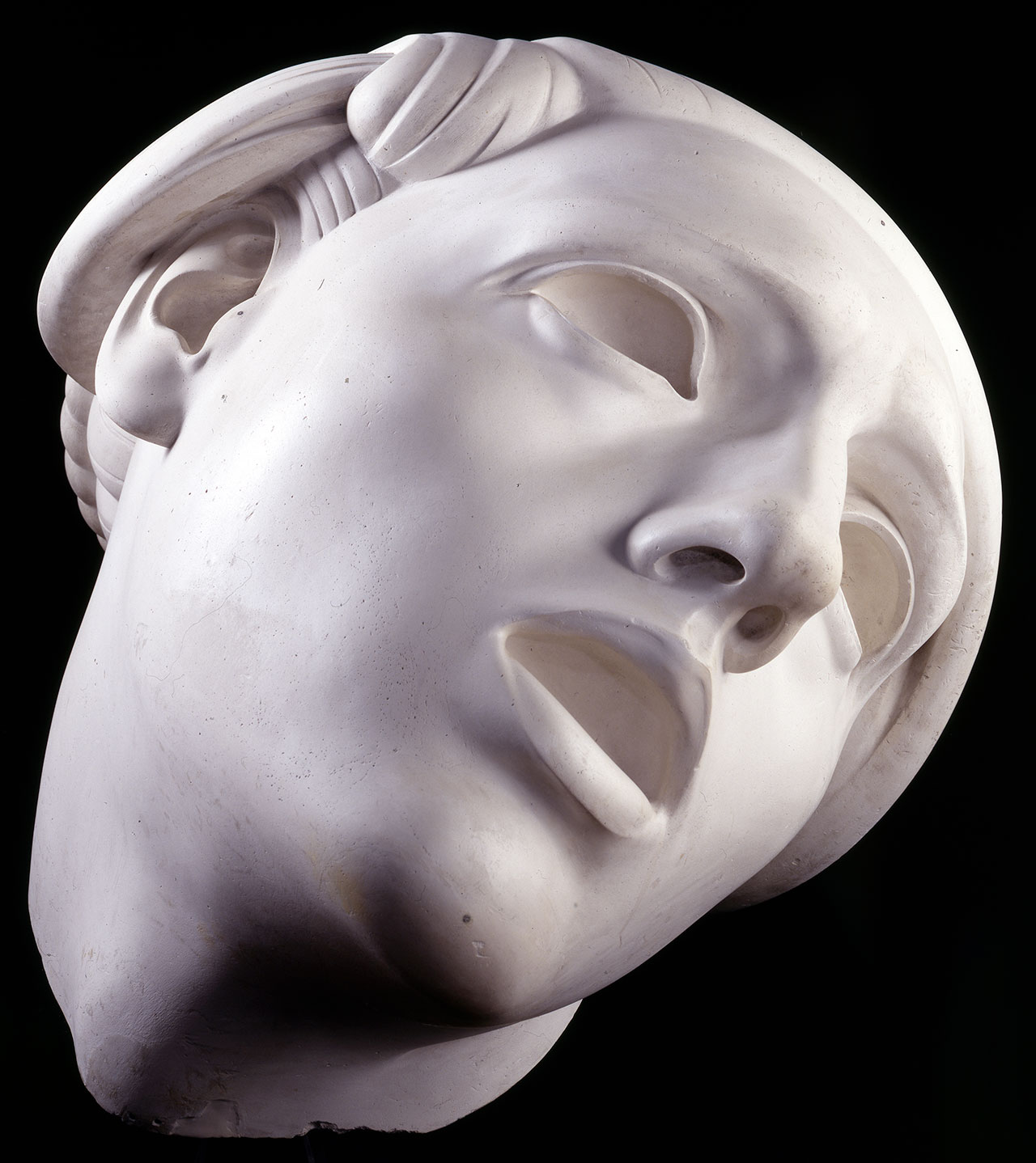 Adolfo Wildt, Il puro folle (Parsifal), 1930. Plaster work, 71 x 73 x 80 cm. International Gallery of Modern Art of Ca 'Pesaro, Venice. Photo Franzini C. © Stock Photo - Fondazione Musei Civici di Venezia.