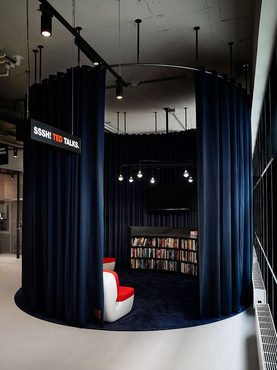 The Student Hotel Amsterdam City. TED x Library, photo © Kasia Gatkowska x …,staat.