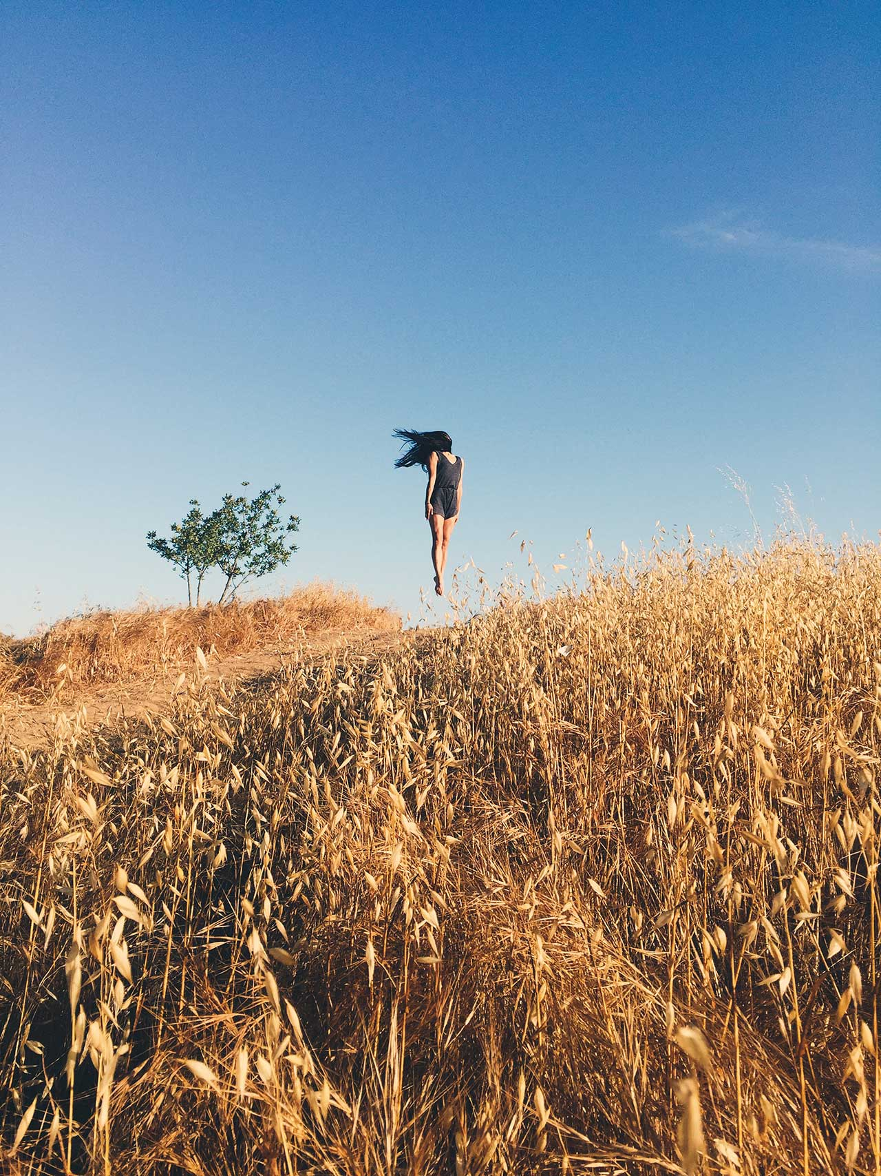 Location: Topanga Canyon | Dancer Marissa Labog | Photo © Zachary Alexopulos from the series #CamerasandDancers.