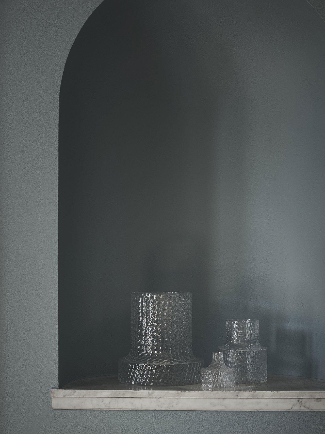 "NM& 080: ""Kolonn""vasesbyCarina Seth Anderssonproduced bySkruf. Photo by Pia Ulin."