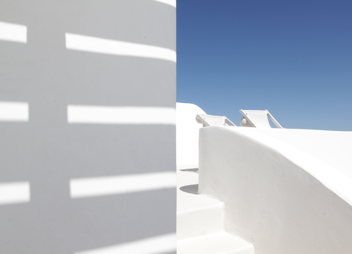 Aenaon Villas Santorini, photo © Costas Voyatzis for Yatzer.com.