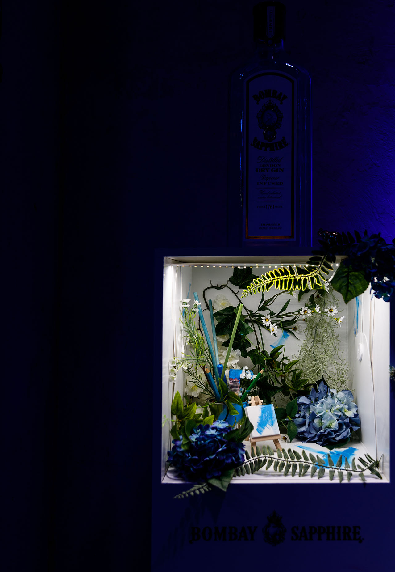 "Miniature photo-booth for ""White Canvas"" cocktails. Photo by Spyros Chamalis © Yatzer 2019."