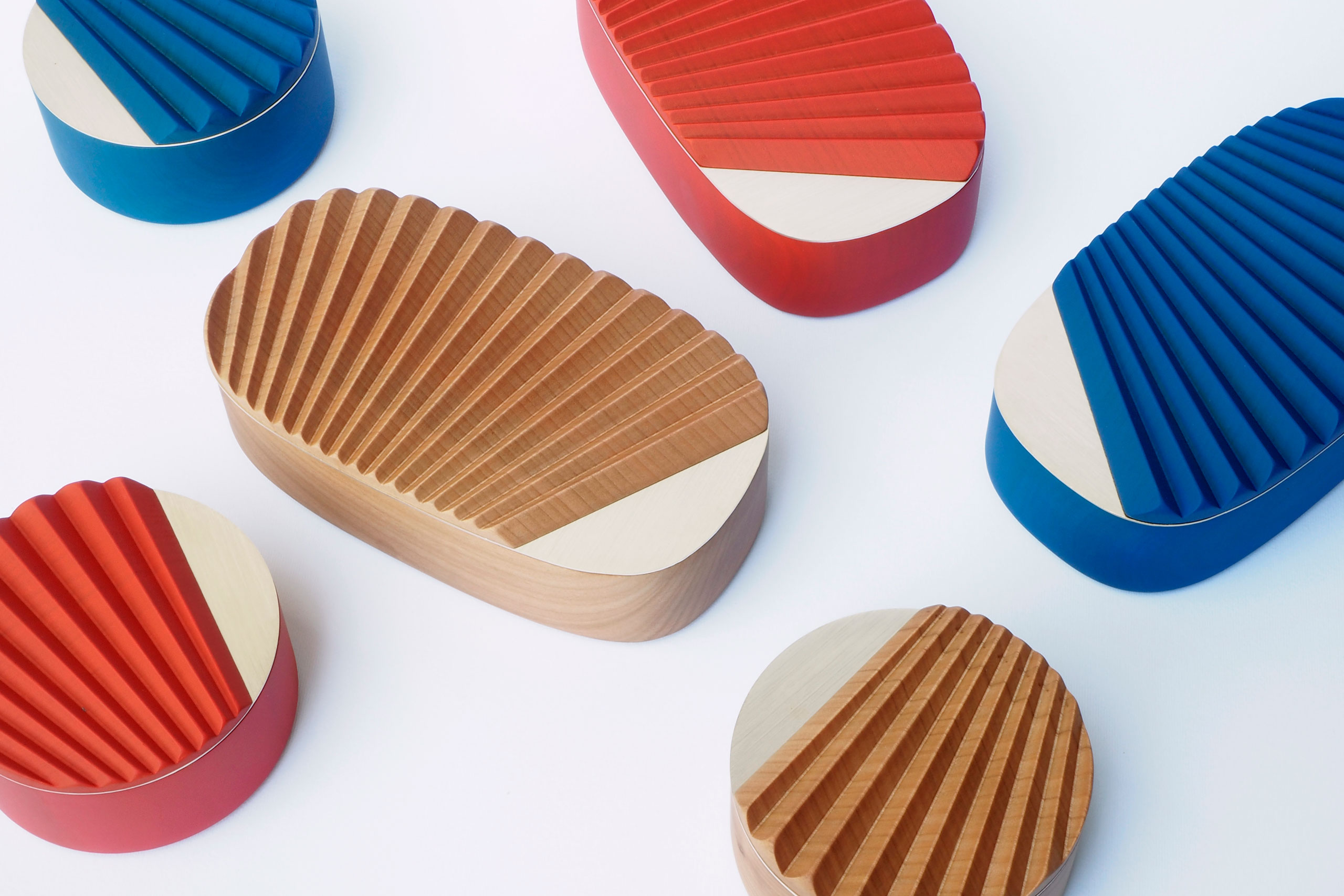 MINIPORTRAIT wooden boxes, designed by Ilaria Innocenti & Giorgio Laboratore for PORTEGO.