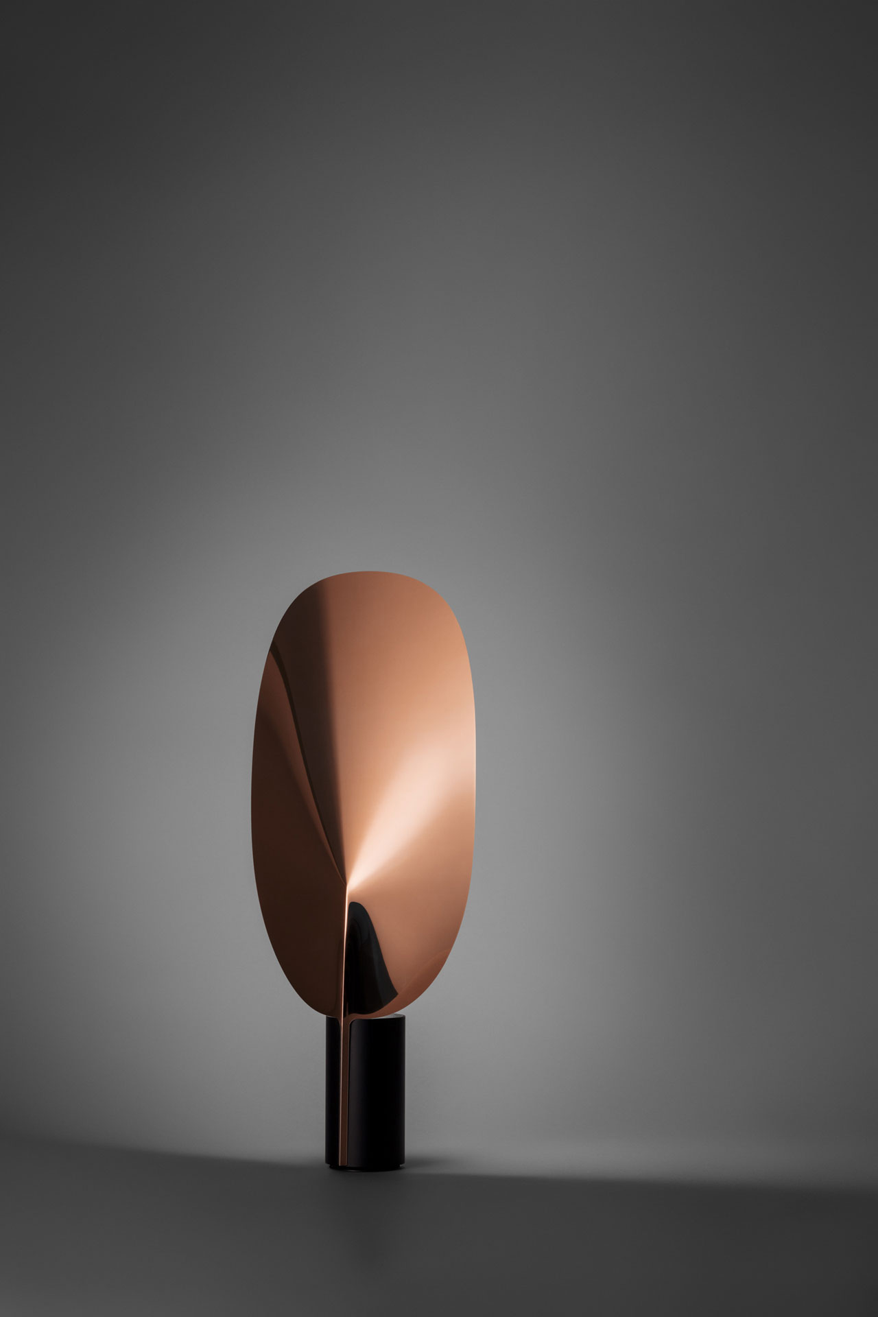SERENA table lamp by Patricia Urquiolafor FLOS.