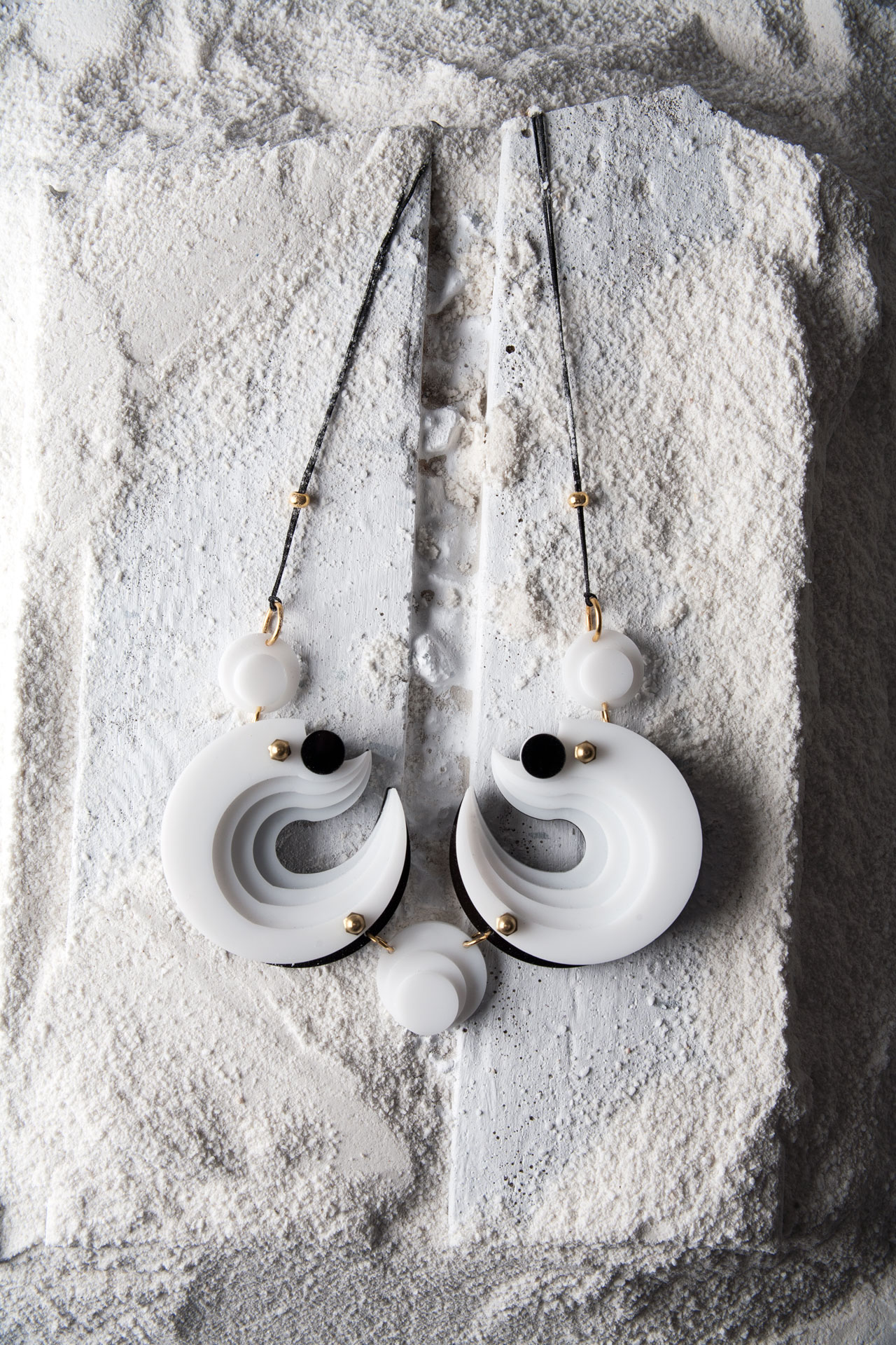 Topos Necklace by Nefelia.