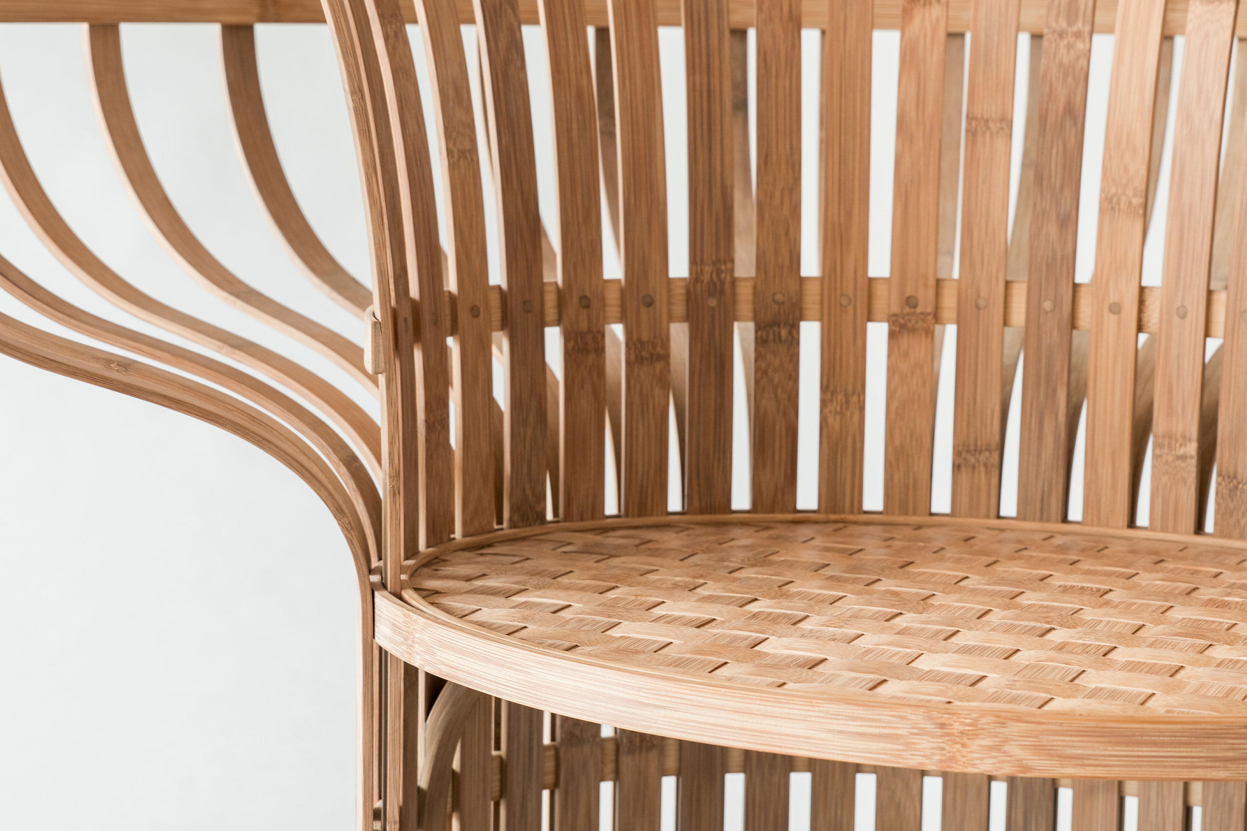 The Indigo-Dyed Bamboo Chair, designed by Jin Kuramoto (Japan). Craftsman : Lin, Jian Cheng (Taiwan), Tang, Wen-Chun (Taiwan). Photo by Maciej Korbas (Poland) / Courtesy NTCRI & Taiwan Designers Web.